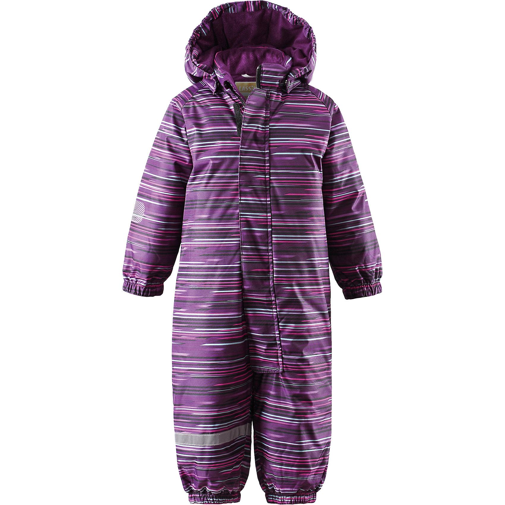 Комбинезон для девочки LASSIEВерхняя одежда<br>Зимний комбинезон для малышей Lassietec®.<br><br>- Водо- и ветронепроницаемый, «дышащий» и грязеотталкивающий материал.<br>- Внешние швы проклеены. Гладкая подкладка из полиэстра.<br>- Средняя степень утепления.<br>- Безопасный, съемный капюшон. Эластичные манжеты. <br>- Эластичные штанины. Съемные эластичные штрипки. <br>- Длинная молния для легкого одевания.<br>-  Принт по всей поверхности.<br><br>Рекомендации по уходу: Стирать по отдельности, вывернув наизнанку. Перед стиркой отстегните искусственный мех. Застегнуть молнии и липучки. Соблюдать температуру в соответствии с руководством по уходу. Стирать моющим средством, не содержащим отбеливающие вещества. Полоскать без специального средства. Сушение в сушильном шкафу разрешено при  низкой температуре.<br><br>Состав: 100% Полиамид, полиуретановое покрытие.  Утеплитель «Lassie wadding» 180гр.<br><br>Ширина мм: 356<br>Глубина мм: 10<br>Высота мм: 245<br>Вес г: 519<br>Цвет: фиолетовый<br>Возраст от месяцев: 6<br>Возраст до месяцев: 9<br>Пол: Женский<br>Возраст: Детский<br>Размер: 74,98,92,80,86<br>SKU: 4781507