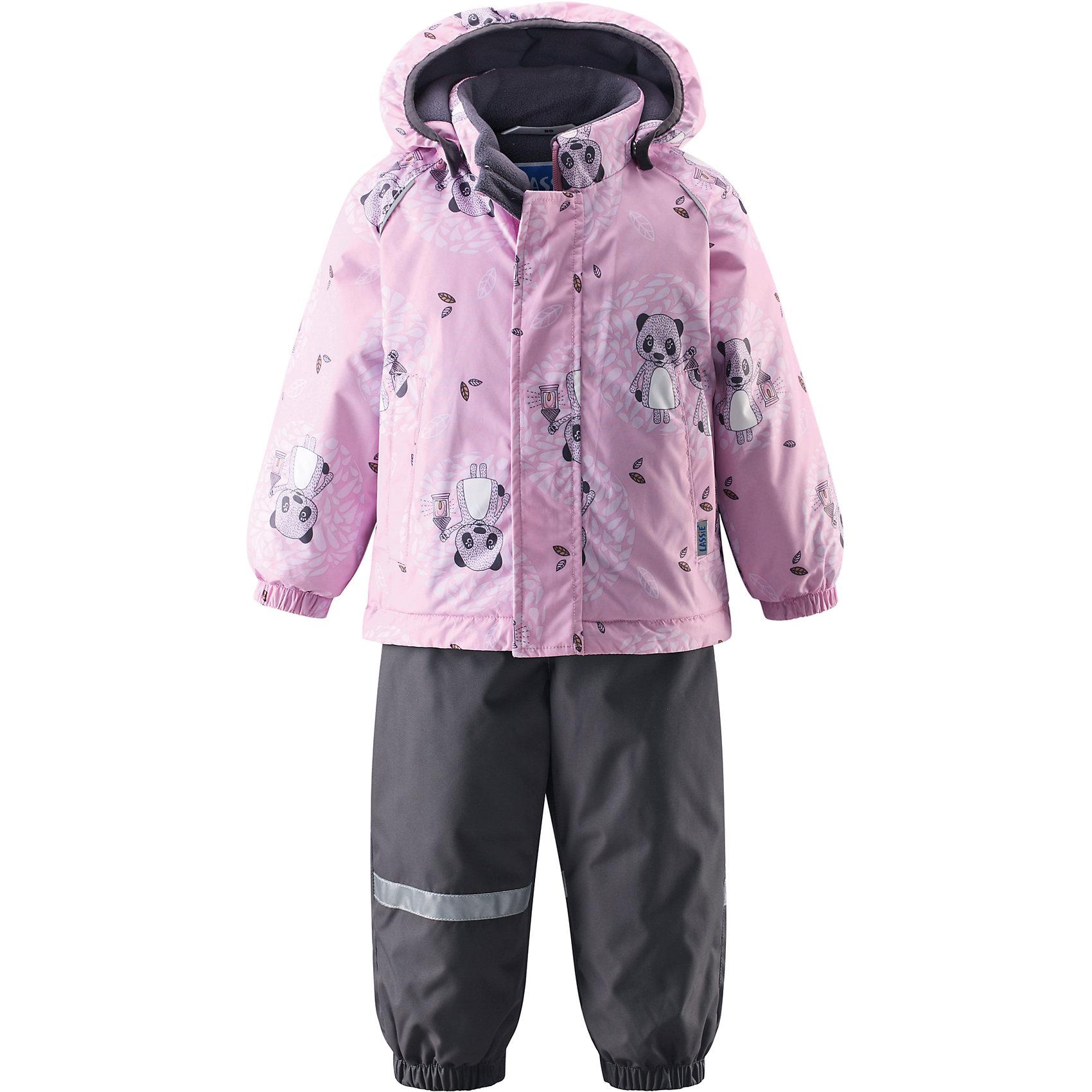 Комплект LASSIE by ReimaЗимний комбинезон для малышей известной финской марки.<br><br>- Водоотталкивающий, ветронепроницаемый, «дышащий» и грязеотталкивающий материал.<br>- Задний серединный шов брюк проклеен.<br>- Мягкая теплая подкладка из флиса.<br>- Гладкая подкладка из полиэстра. <br>-Средняя степень утепления. <br>- Безопасный, съемный капюшон. Эластичные манжеты. <br>- Регулируемый подол. Эластичные штанины.<br>- С ъемные эластичные штрипки. Легко надевать благодаря молнии. <br>- Два прорезных кармана. Регулируемые подтяжки. <br><br>Рекомендации по уходу: Стирать по отдельности, вывернув наизнанку. Застегнуть молнии и липучки. Соблюдать температуру в соответствии с руководством по уходу. Стирать моющим средством, не содержащим отбеливающие вещества. Полоскать без специального средства. Сушение в сушильном шкафу разрешено при  низкой температуре.<br><br>Состав: 100% Полиамид, полиуретановое покрытие.  Утеплитель «Lassie wadding» 140гр.(брюки); 180гр.(куртка).<br><br>Ширина мм: 190<br>Глубина мм: 74<br>Высота мм: 229<br>Вес г: 236<br>Цвет: розовый<br>Возраст от месяцев: 12<br>Возраст до месяцев: 15<br>Пол: Женский<br>Возраст: Детский<br>Размер: 80,86,98,92<br>SKU: 4781572