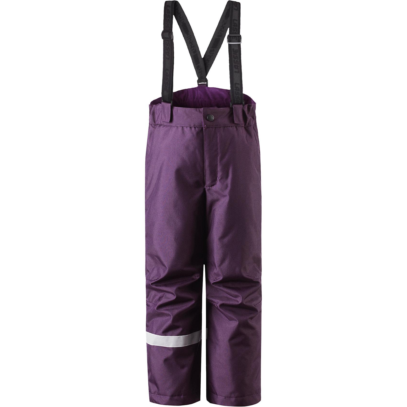 Брюки для девочки LASSIEОдежда<br>Зимние брюки для детей известной финской марки. <br><br>- Прочный материал. <br>- Водоотталкивающий, ветронепроницаемый, «дышащий» и грязеотталкивающий материал.<br>-  Задний серединный шов проклеен. свободный крой.<br>- Гладкая подкладка из полиэстра. <br>- Легкая степень утепления. <br>- Эластичный регулируемый обхват талии. <br>- Регулируемые брючины. Карманы в боковых швах.  <br><br>Рекомендации по уходу: Стирать по отдельности, вывернув наизнанку. Застегнуть молнии и липучки. Соблюдать температуру в соответствии с руководством по уходу. Стирать моющим средством, не содержащим отбеливающие вещества. Полоскать без специального средства. Сушение в сушильном шкафу разрешено при  низкой температуре.<br><br>Состав: 100% Полиамид, полиуретановое покрытие.  Утеплитель «Lassie wadding» 100гр.<br><br>Ширина мм: 215<br>Глубина мм: 88<br>Высота мм: 191<br>Вес г: 336<br>Цвет: фиолетовый<br>Возраст от месяцев: 18<br>Возраст до месяцев: 24<br>Пол: Женский<br>Возраст: Детский<br>Размер: 92,140,98,104,110,116,122,128,134<br>SKU: 4781896