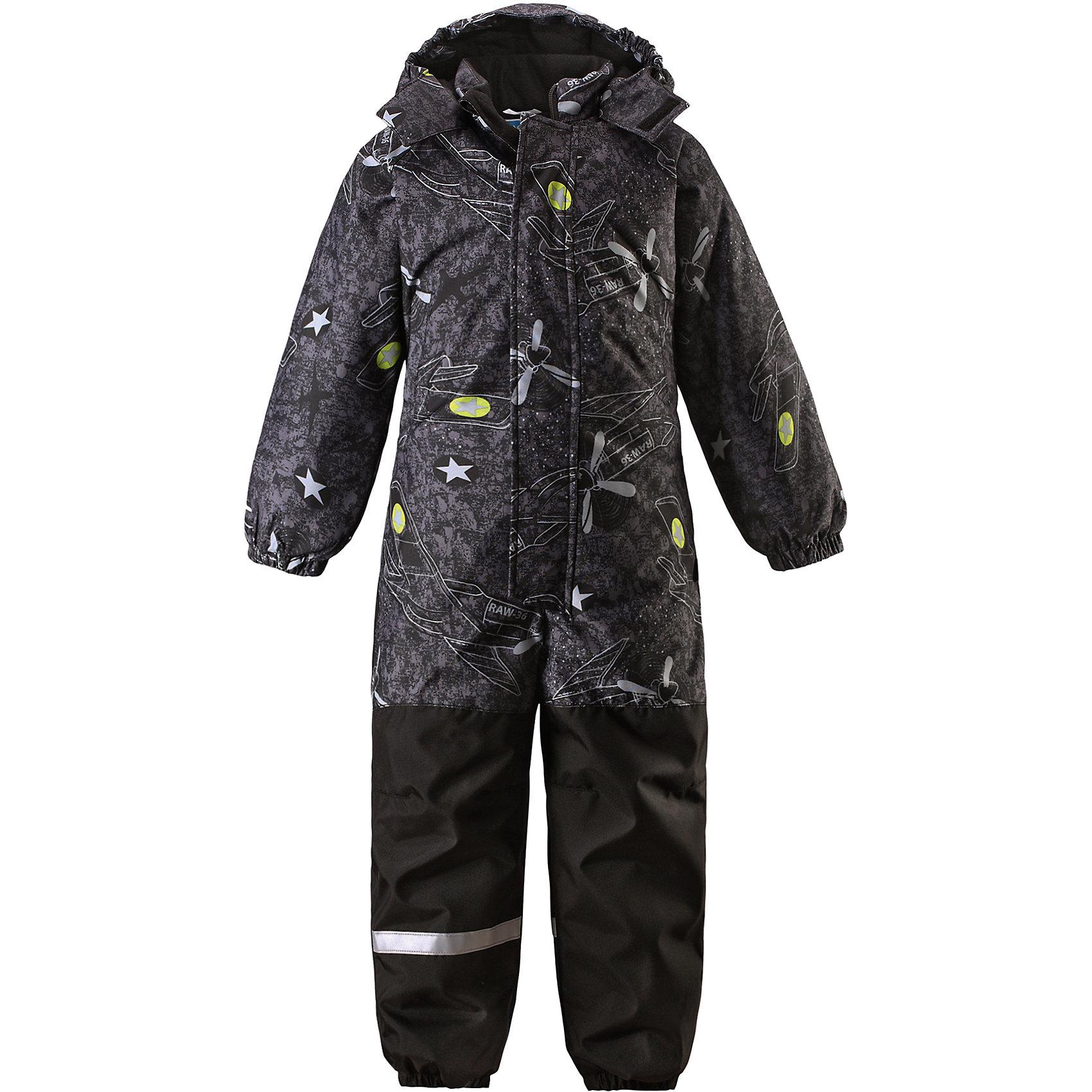 Комбинезон для мальчика LASSIEОдежда<br>Зимний комбинезон для детей известной финской марки.<br><br>- Прочный материал. Водоотталкивающий, ветронепроницаемый, «дышащий» и грязеотталкивающий материал.<br>-  Задний серединный шов проклеен. Гладкая подкладка из полиэстра. <br>- Средняя степень утепления. <br>- Безопасный, съемный капюшон. Эластичные манжеты. Эластичные штанины.<br>-  Съемные эластичные штрипки. Нагрудный карман на молнии. <br>- Принт по всей поверхности.  <br><br>Рекомендации по уходу: Стирать по отдельности, вывернув наизнанку. Застегнуть молнии и липучки. Соблюдать температуру в соответствии с руководством по уходу. Стирать моющим средством, не содержащим отбеливающие вещества. Полоскать без специального средства. Сушение в сушильном шкафу разрешено при  низкой температуре.<br><br>Состав: 100% Полиамид, полиуретановое покрытие.  Утеплитель «Lassie wadding» 180гр.<br><br>Ширина мм: 356<br>Глубина мм: 10<br>Высота мм: 245<br>Вес г: 519<br>Цвет: черный<br>Возраст от месяцев: 12<br>Возраст до месяцев: 15<br>Пол: Мужской<br>Возраст: Детский<br>Размер: 80,128,86,92,98,104,110,116,122<br>SKU: 4782028