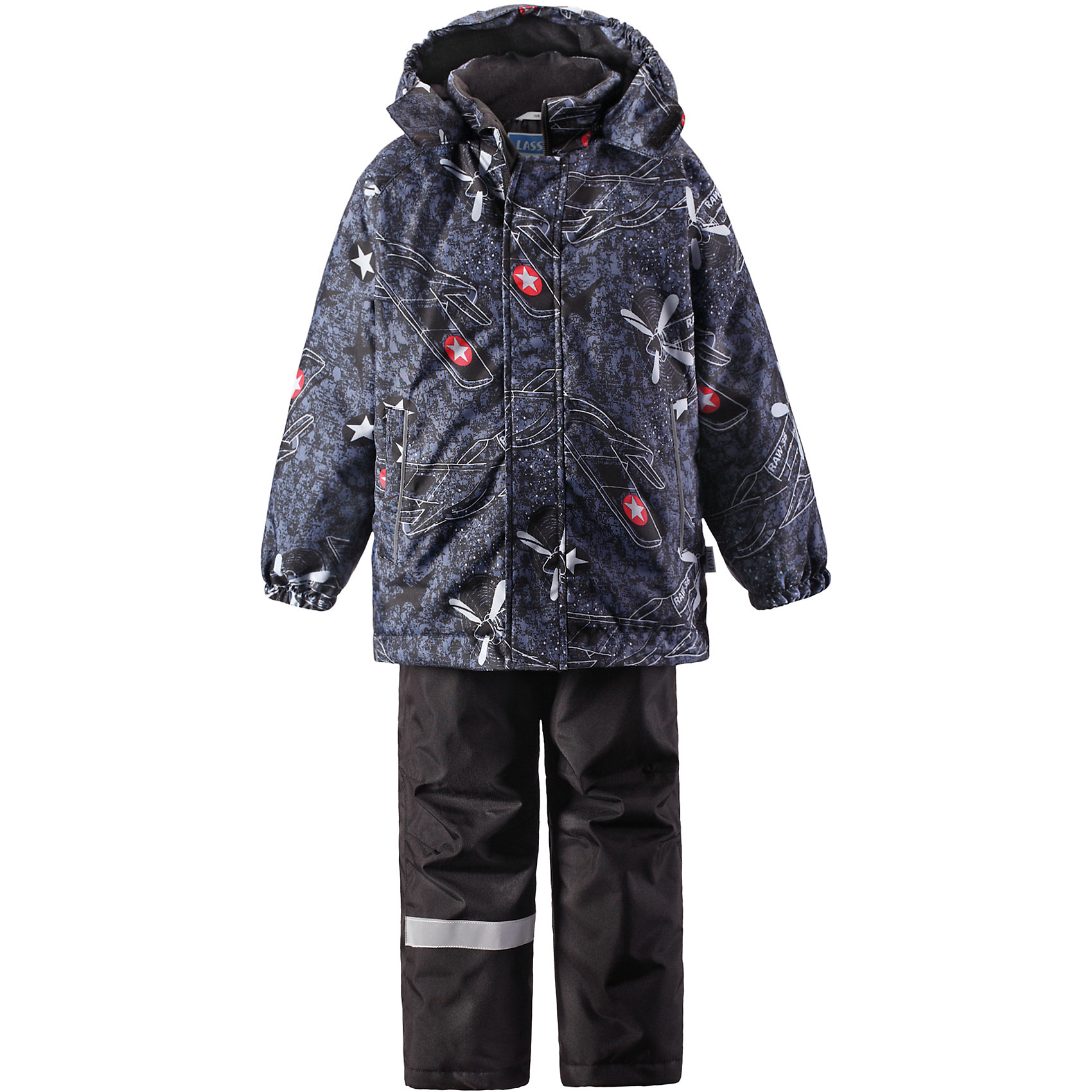 Комплект для мальчика LASSIEОдежда<br>Зимний комплект для детей известной финской марки.<br><br>-  Прочный материал. Водоотталкивающий, ветронепроницаемый, «дышащий» и грязеотталкивающий материал.<br>-  Задний серединный шов брюк проклеен.<br>-  Гладкая подкладка из полиэстра.<br>-  Средняя степень утепления. <br>- Безопасный, съемный капюшон.<br>-  Эластичные манжеты. Эластичная талия. <br>- Регулируемый подол. Снегозащитные манжеты на штанинах. <br>- Ширинка на молнии. Карманы в боковых швах.<br>-  Регулируемые и отстегивающиеся эластичные подтяжки.<br>-  Принт по всей поверхности. <br><br> Рекомендации по уходу: Стирать по отдельности, вывернув наизнанку. Застегнуть молнии и липучки. Соблюдать температуру в соответствии с руководством по уходу. Стирать моющим средством, не содержащим отбеливающие вещества. Полоскать без специального средства. Сушение в сушильном шкафу разрешено при  низкой температуре.<br><br>Состав: 100% Полиамид, полиуретановое покрытие.  Утеплитель «Lassie wadding» 100гр.(брюки); 180гр.(куртка).<br><br>Ширина мм: 190<br>Глубина мм: 74<br>Высота мм: 229<br>Вес г: 236<br>Цвет: черный<br>Возраст от месяцев: 18<br>Возраст до месяцев: 24<br>Пол: Мужской<br>Возраст: Детский<br>Размер: 92,140,98,104,110,116,122,128,134<br>SKU: 4782218