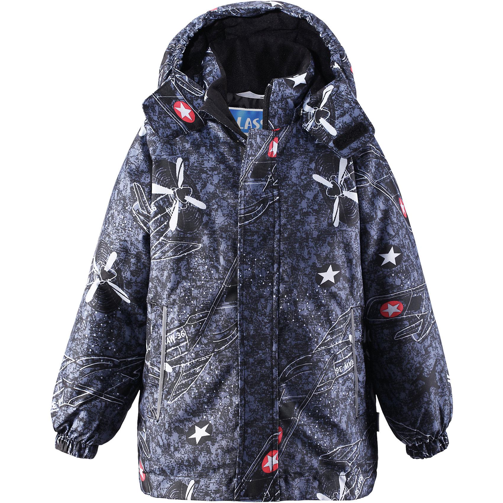 Куртка для мальчика LASSIEОдежда<br>Зимняя куртка для детей известной финской марки.<br><br>- Прочный материал. Водоотталкивающий, ветронепроницаемый, «дышащий» и грязеотталкивающий материал. <br>- Крой для девочек. <br>- Гладкая подкладка из полиэстра.<br>- Средняя степень утепления.<br>-  Безопасный, съемный капюшон. <br>- Эластичные манжеты. Карманы в боковых швах.<br>-  Принт по всей поверхности.  <br><br>Рекомендации по уходу: Стирать по отдельности, вывернув наизнанку. Застегнуть молнии и липучки. Соблюдать температуру в соответствии с руководством по уходу. Стирать моющим средством, не содержащим отбеливающие вещества. Полоскать без специального средства. Сушение в сушильном шкафу разрешено при  низкой температуре.<br><br>Состав: 100% Полиамид, полиуретановое покрытие.  Утеплитель «Lassie wadding» 180гр.<br><br>Ширина мм: 356<br>Глубина мм: 10<br>Высота мм: 245<br>Вес г: 519<br>Цвет: черный<br>Возраст от месяцев: 18<br>Возраст до месяцев: 24<br>Пол: Мужской<br>Возраст: Детский<br>Размер: 92,140,98,104,110,116,122,128,134<br>SKU: 4782298