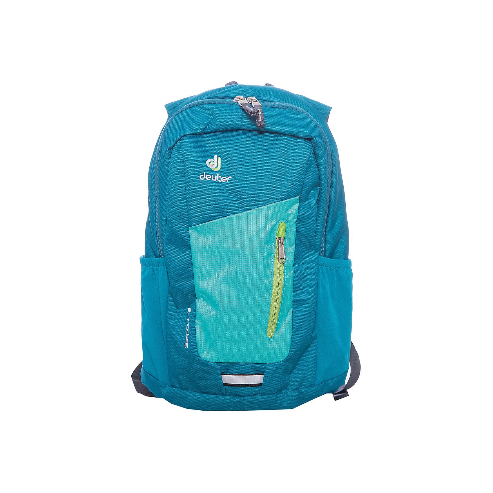 Deuter Рюкзак Stepout  12, сине-зеленыйДорожные сумки и чемоданы<br>Рюкзак Stepout  12, сине-зеленый, Deuter (Дойтер)<br><br>Характеристики:<br><br>• система вентиляции спины Airstripes<br>• лямки имеют анатомическую форму<br>• отделение для документов<br>• внешний карман на молнии с карабином для ключей<br>• боковые карманы на резинке<br>• петля для фонарика<br>• материал: Super-Polytex<br>• объем: 12 л<br>• размер: 21х24х14 см<br>• вес: 450 грамм<br>• цвет: сине-зеленый<br><br>Городской рюкзак Stepout очень функционален. Он оснащен одним большим отделением на молнии, внешним отделением на молнии и двумя боковыми карманами на резинке. Основное отделение имеет карман для документов, а внешнее - карабин для ключей. Плечевые ремни имеют анатомическую форму, обеспечивающую правильное распределение нагрузки на спину. Рюкзак также оснащен системой Airstripes. Она впитывает лишнюю влагу и пропускает воздух. Этот рюкзак - прекрасный выбор для ценителей качества и удобства!<br><br>Рюкзак Stepout  12, сине-зеленый, Deuter (Дойтер) можно купить в нашем интернет-магазине.<br><br>Ширина мм: 140<br>Глубина мм: 240<br>Высота мм: 210<br>Вес г: 450<br>Возраст от месяцев: 60<br>Возраст до месяцев: 144<br>Пол: Мужской<br>Возраст: Детский<br>SKU: 4782531