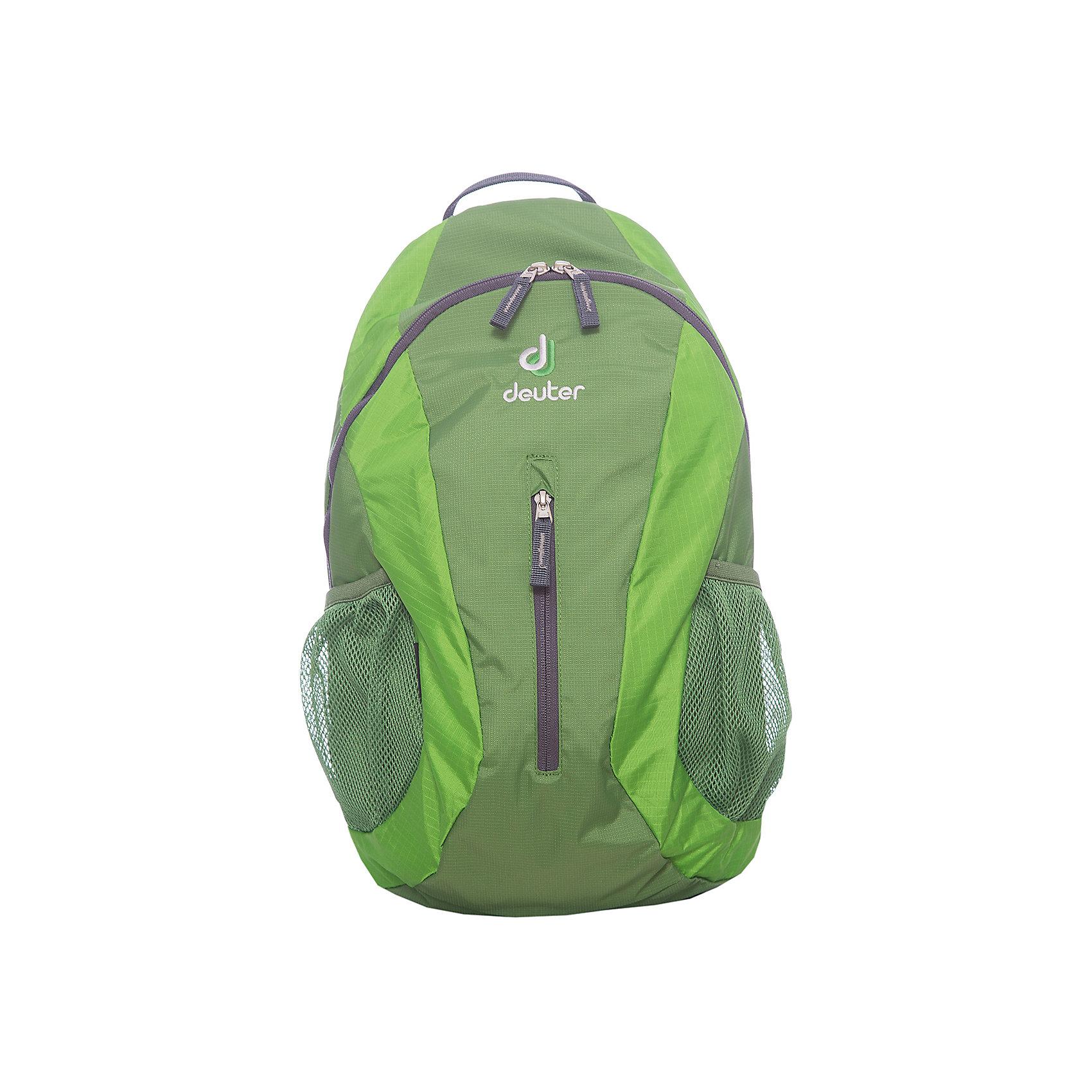 Рюкзак City light, зеленыйРюкзак City light, зеленый, Deuter (Дойтер)<br><br>Характеристики:<br><br>• система Airstripes <br>• мягкие анатомические лямки<br>• удобная U-образная молния<br>• карман для документов<br>• внешний карман на молнии<br>• боковые сетчатые карманы<br>• светоотражающие элементы<br>• материал: Super-Polytex<br>• объем: 16 литров<br>• вес: 440 грамм<br>• размер: 45х24х17 см<br>• цвет: зеленый<br><br>City Light от известного бренда Deuter - компактный и функциональный рюкзак. Он устойчив к влаге и истиранию, а также легко чистится. Основное отделение застегивается на U-образную молнию, что обеспечивает быстрый доступ к нему. Кроме того, основное отделение оснащено карманом для документов. Внешнее отделение застегивается на молнию. Мягкие анатомические лямки правильно распределят нагрузку на спину, а система Airstripes позволит спине дышать. Ко всему прочему, рюкзак оснащен боковыми сетчатыми карманами и светоотражающими элементами. Качество и удобство - всё это сочетается в рюкзаке City Light.<br><br>Рюкзак City light, зеленый, Deuter (Дойтер) можно купить в нашем интернет-магазине.<br><br>Ширина мм: 170<br>Глубина мм: 240<br>Высота мм: 450<br>Вес г: 440<br>Возраст от месяцев: 72<br>Возраст до месяцев: 144<br>Пол: Унисекс<br>Возраст: Детский<br>SKU: 4782536