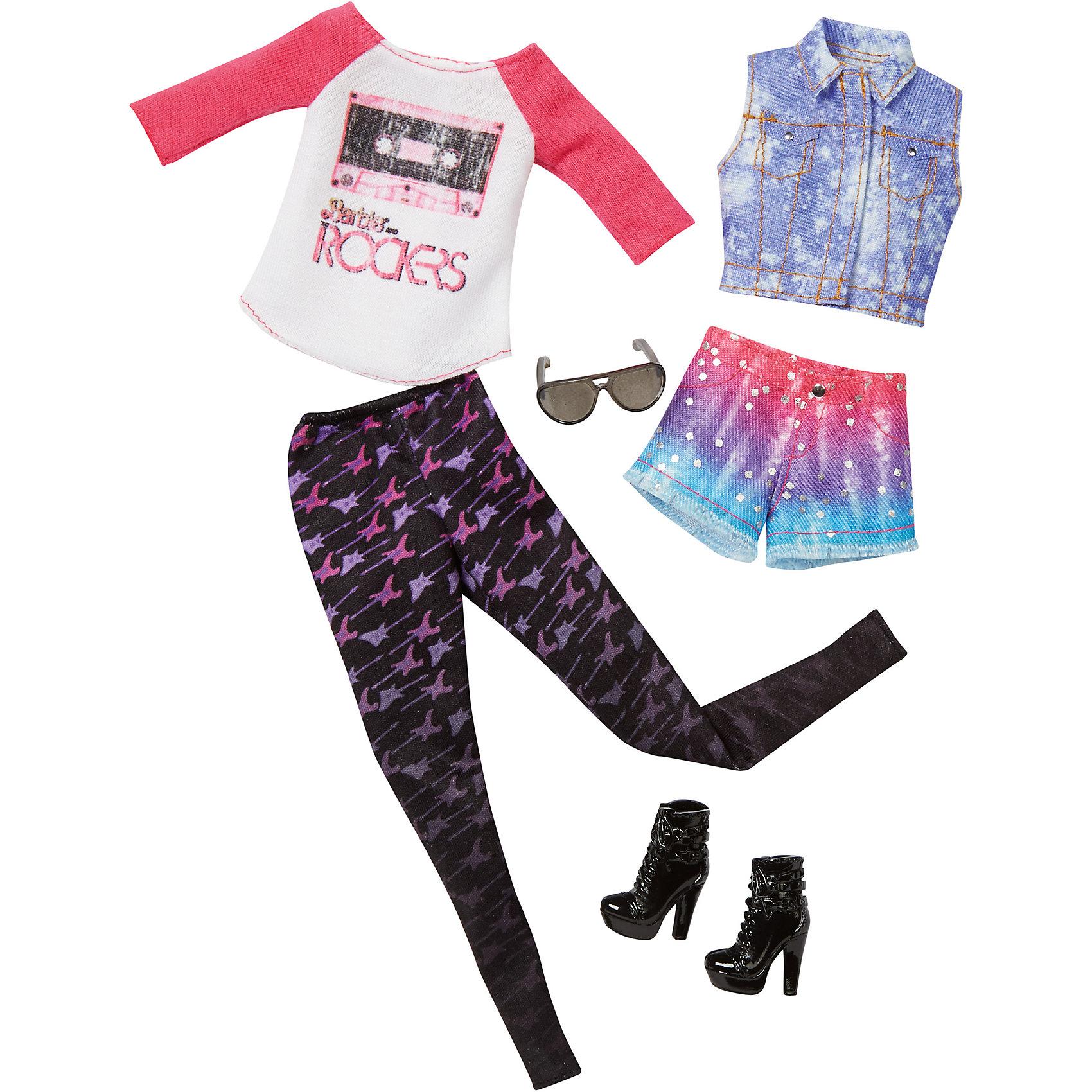 Набор модной одежды, BarbieНабор одежды для куклы Barbie (Барби) - отличный вариант подарка для любительницы этих кукол. В набор входят два сочетающихся между собой комплекта одежды (всего 4 предмета) по мотивам реальных модных тенденций, пара туфель и элегантная сумочка. Предметы из разных комплектов можно комбинировать, создавая новые шикарные образы для любимой куклы.<br>Такие игрушки помогают развить мелкую моторику, логическое мышление и воображение ребенка. Эта игрушка выполнена из текстиля и высококачественного прочного пластика, безопасного для детей, отлично детализирована.<br><br>Дополнительная информация:<br><br>комплектация: два комплекта одежды (всего 4 предмета), пара туфель и сумочка; <br>цвет: разноцветный;<br>материал: пластик, текстиль;<br>размер упаковки: 27,5 х 2,5 х 25,5 см;<br>кукла продается отдельно!<br><br>Набор модной одежды, Barbie от компании Mattel можно купить в нашем магазине.<br><br>Ширина мм: 283<br>Глубина мм: 253<br>Высота мм: 27<br>Вес г: 114<br>Возраст от месяцев: 36<br>Возраст до месяцев: 8<br>Пол: Женский<br>Возраст: Детский<br>SKU: 4791075