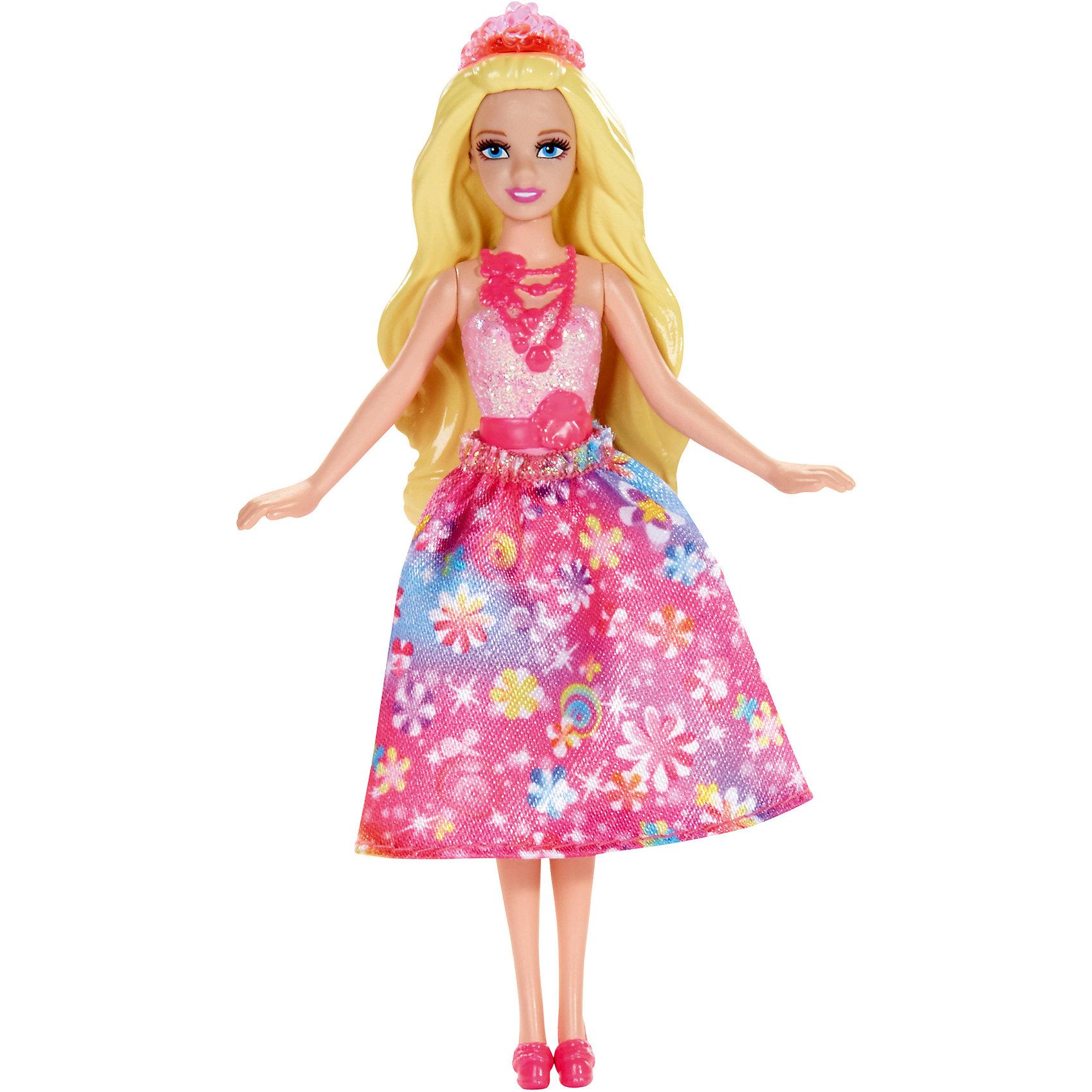 Сказочная мини-кукла, BarbieСказочная мини-кукла Барби - отличный вариант подарка для любительницы этих кукол. Продается игрушка в красивой тематической упаковке. Она очень волшебно выглядит! Это - сказочная принцесса, которых обожают все девочки.<br>Такие игрушки помогают развить мелкую моторику, логическое мышление и воображение ребенка. Игры с куклами помогают девочкам проходить социализацию и прививают чувство вкуса. Эта игрушка выполнена из текстиля и высококачественного прочного пластика, безопасного для детей, отлично детализирована.<br><br>Дополнительная информация:<br> <br>цвет: разноцветный;<br>материал: пластик, волосы - резина;<br>размер упаковки: 30?90х130 см.<br><br>Сказочную мини-куклу, Barbie от компании Mattel можно купить в нашем магазине.<br><br>Ширина мм: 30<br>Глубина мм: 90<br>Высота мм: 130<br>Вес г: 49<br>Возраст от месяцев: 36<br>Возраст до месяцев: 96<br>Пол: Женский<br>Возраст: Детский<br>SKU: 4791158
