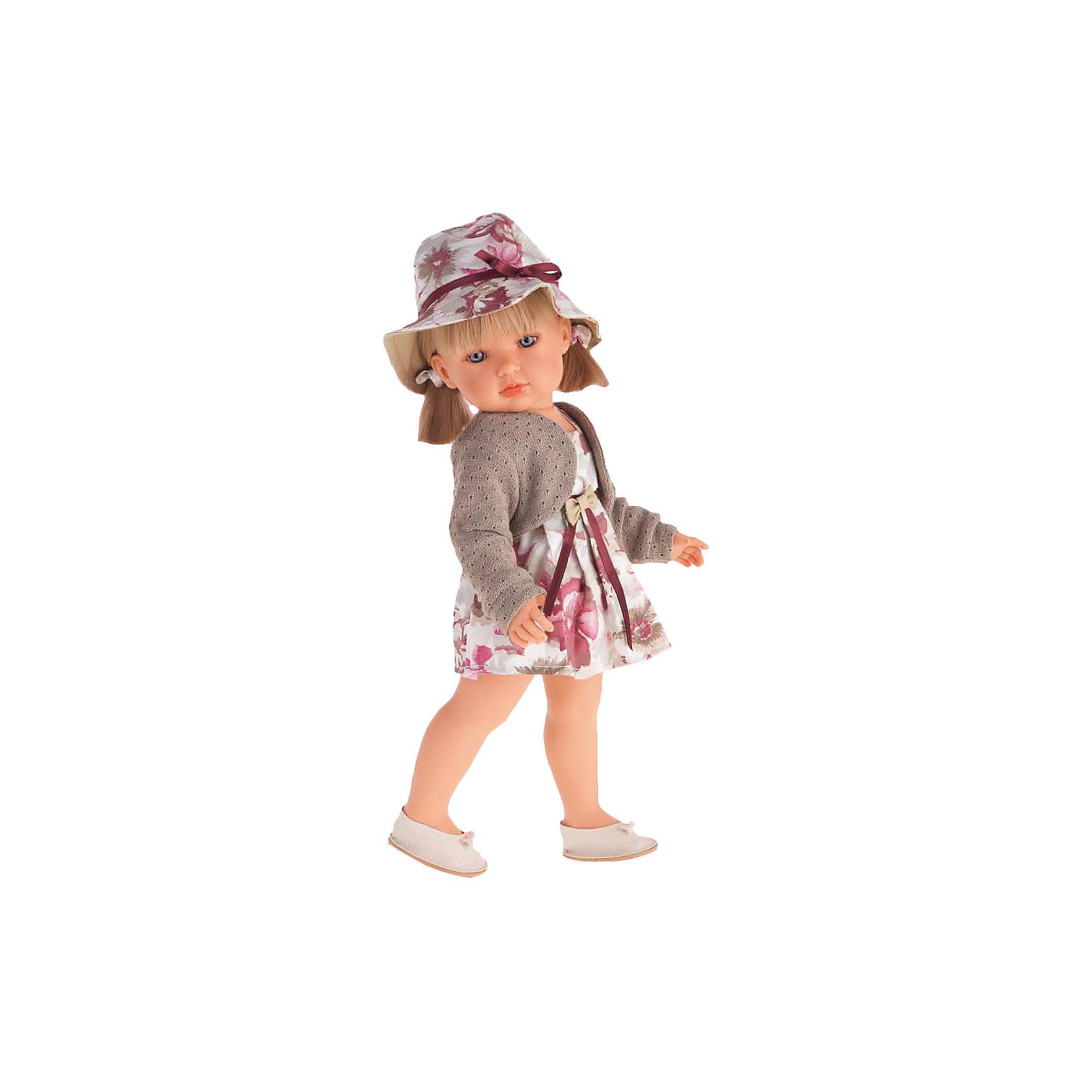 Белла в шляпке, блондинка, 45 см, Munecas Antonio JuanБелла в шляпке, блондинка, 45 см, Munecas Antonio Juan (Мунекас от Антонио Хуан) ? это новый образ серии кукол от всемирно известного испанского бренда Мунекас от Антонио Хуан, который знаменит своими реалистичными куклами. Кукла изготовлена из винила высшего качества с добавлением силикона. Это куклы в образе подросших девочек, которые уже умеют разбираться в стильной одежде и правильно подбирать комплекты в зависимости от сезона. Эти куклы имеют стройную фигуру и милые выражения лица. Руки и ноги у куклы подвижны, голова поворачивается в стороны, глаза не закрываются. <br>У Беллы – новый образ. Она блондинка с голубыми глазами. Эта симпатичная юная леди непременно станет лучшей подружкой для вашей дочери.<br>Белла в шляпке, блондинка, 45 см, Munecas Antonio Juan (Мунекас от Антонио Хуан) научит вашу девочку чувствовать стиль в одежде, отличать дизайнерские вещи и правильно подбирать комплекты.<br>Белла одета в платье с крупным цветочным рисунком , поверх которого, модного цвета болеро. На голове у Беллы шляпа, повторяющая оттенки и рисунки на одежде.  На ногах у нее белые туфли. Весь комплект демонстрирует оригинальность и стиль.<br>Куклы JUAN ANTONIO munecas (Мунекас от Антонио Хуан) ? мечта девочки любого возраста!<br><br>Дополнительная информация:<br><br>- Вид игр: сюжетно-ролевые игры <br>- Материал: винил, текстиль<br>- Высота куклы: 45 см<br>- Вес: 15 кг 250 г<br>- Особенности ухода: одежда ? ручная стирка, куклу можно купать <br><br>Подробнее:<br><br>• Для детей в возрасте: от 3 лет и до 6 лет<br>• Страна производитель: Испания<br>• Торговый бренд: JUAN ANTONIO munecas <br><br>Беллу в шляпке, блондинку, 45 см, Munecas Antonio Juan (Мунекас от Антонио Хуан) можно купить в нашем интернет-магазине.<br><br>Ширина мм: 530<br>Глубина мм: 275<br>Высота мм: 135<br>Вес г: 1525<br>Возраст от месяцев: 36<br>Возраст до месяцев: 72<br>Пол: Женский<br>Возраст: Детский<br>SKU: 4792884