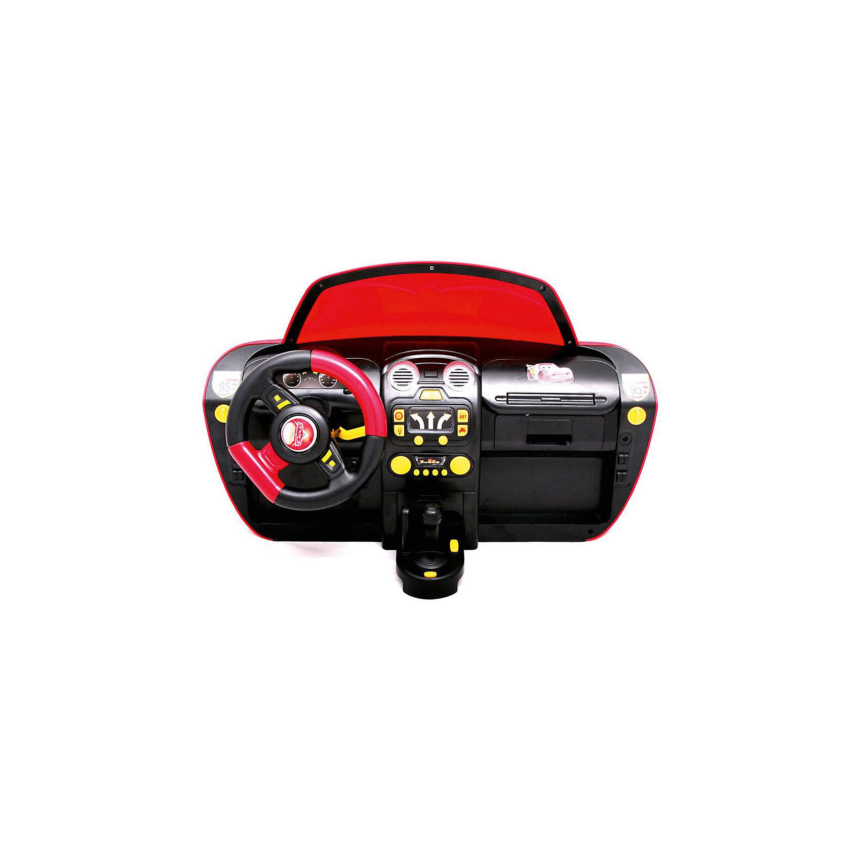 Модель машинки McQueen на батарейках, MaistoЭлектронный руль McQueen это яркий симулятор вождения для маленьких автолюбителей и начинающих гонщиков. Панель украшена персонажами мультфильма Тачки-2. В центре расположен руль, который крутится в разные стороны, а также различные рычаги, кнопки включения ночного освещения, аварийного освещения, запуска двигателя, ускорения, спортивного сигнала и кондиционера. Использование всех элементов управления сопровождается световыми и звуковыми эффектами, имитирующими управление автомобиля.<br><br>Дополнительная информация:<br><br>- Размеры панели: 50 х 33 х 20 см<br>- Питание: 3 батарейки напряжением 1,5V типа D (в комплект не входят)<br>- Материал: пластик, металл<br>- Размеры упаковки: 65 x 22 x 33 см<br>- Вес в упаковке: 2,9 кг<br><br>Модель машинки McQueen на батарейках, Maisto можно купить в нашем интернет-магазине.<br><br>Ширина мм: 510<br>Глубина мм: 330<br>Высота мм: 210<br>Вес г: 2901<br>Возраст от месяцев: 36<br>Возраст до месяцев: 96<br>Пол: Мужской<br>Возраст: Детский<br>SKU: 4795906