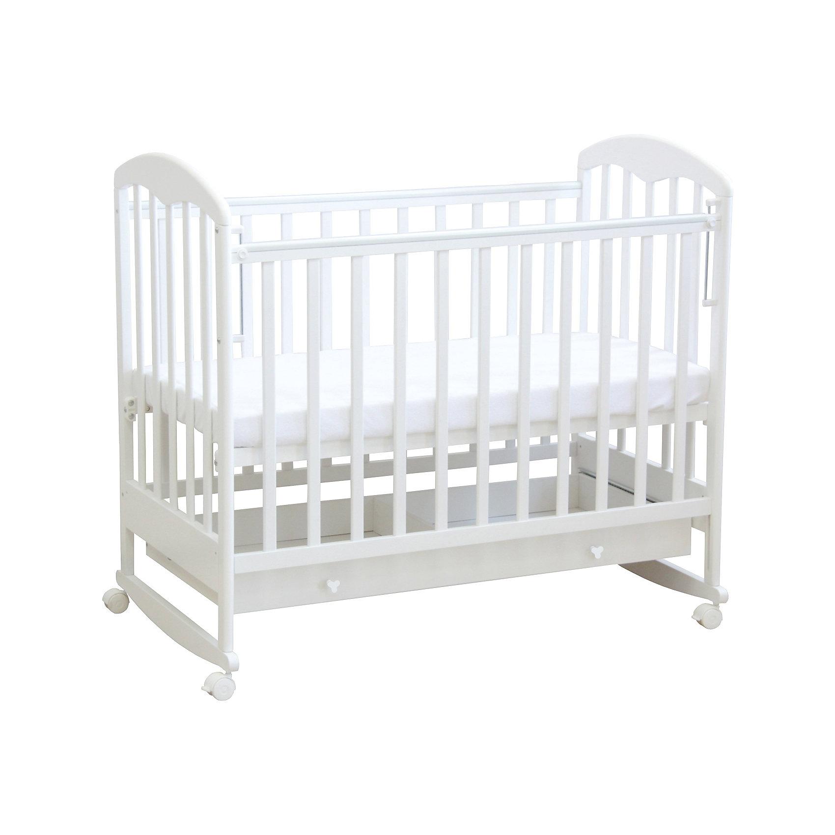 Кроватка 325, Фея, белыйКроватки<br>Кровать Фея - прекрасный вариант для малышей и их родителей. Модель имеет классический дизайн, дополненный практичным выдвижным ящиком внизу. Высота ложа регулируется в двух положениях - когда ваш кроха подрастет, опустите дно кровати и не беспокойтесь о том, что юный непоседа сможет самостоятельно выбраться из своего гнездышка. Модель имеет колесики, с помощью которых ее удобно перемещать по комнате, при желании колеса можно снять, преобразовав кровать в качалку. При помощи специального механизма передняя стенка легко и быстро опускается даже одной рукой. <br>Кровать выполнена из натурального массива березы, с использованием абсолютно безопасных и нетоксичных для детей материалов. <br><br>Дополнительная информация:<br><br>- Материал: дерево (массив березы).<br>- Размеры: 124,8х75х103,7 см.<br>- Для матраса размером: 60 х 120 см.<br>- Ложе регулируется в 2-х положениях.<br>- Передняя стенка опускается (механизм Кнопка).<br>- Накладки из ПВХ.<br>- Ортопедическое основание.<br>- Реечные стенки.<br>- Практичный выдвижной ящик внизу. <br>- Съемные колеса.<br>- Качалка. <br><br>Кроватку 325, Фея, белую, можно купить в нашем магазине.<br><br>Ширина мм: 1120<br>Глубина мм: 1248<br>Высота мм: 744<br>Вес г: 23900<br>Возраст от месяцев: 0<br>Возраст до месяцев: 36<br>Пол: Унисекс<br>Возраст: Детский<br>SKU: 4796980