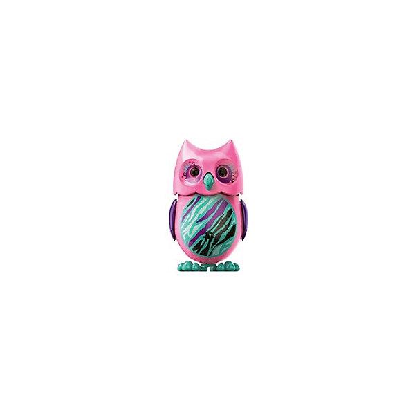 Поющая сова с кольцом, розовая, DigiBirdsИнтерактивные животные<br>Поющая сова с кольцом, розовая, DigiBirds, Silverlit (Сильверлит) ? интерактивная птичка от мирового производителя детских товаров Silverlit (Сильверлит). Сова оснащена световыми и звуковыми эффектами. Ее творческий репертуар состоит из 55 песенок, которые исполняются как в сольном виде, так и в хоровом. Имея столь разнообразный репертуар, эта игрушка вряд ли быстро наскучит вашему ребенку. Активируется сова тремя способами: на нее достаточно подуть или посвистеть в свисток, который идет в комплекте, или резко взмахнуть по воздуху, держа птичку в руке. Кроме того, сова умеет танцевать: в такт музыке машет крыльями, раскрывает клюв и поворачивает головой. Кроме того, пение сопровождается свечением больших очаровательных глаз.<br>Поющая сова с кольцом, розовая, DigiBirds, Silverlit (Сильверлит) ? совершенно уникальная игрушка, которая не только развлекает вашего ребенка, но и занимается его музыкальным развитием. В первую очередь, она способствует формированию музыкального слуха и памяти. Простые действия: подуть в свисток, подуть на сову ? простые, но очень эффективные упражнения, которые направлены на развитие речевого аппарата.<br>Поющая сова с кольцом, розовая, DigiBirds, Silverlit (Сильверлит) ? это миниатюрный музыкальный центр для вашего ребенка.<br><br>Дополнительная информация:<br><br>- Вид игр: сюжетно-ролевые игры <br>- Предназначение: для дома<br>- Батарейки: 3 шт. LR44<br>- Материал: высококачественный пластик<br>- Размер (ДхШхВ): 6,4*15,2*10,2 см<br>- Вес: 91 г<br>- Комплектация: сова, свисток-кольцо для птички, инструкция, батарейки<br>- Особенности ухода: протирать влажной губкой<br><br>ВНИМАНИЕ! Данный артикул имеется в наличии в разных цветовых исполнениях (сиреневый, красный, бирюзовый, белый, розовый, оранжевый). К сожалению, заранее выбрать определенный цвет невозможно. <br><br>Подробнее:<br><br>• Для детей в возрасте: от 3 лет и до 7 лет <br>• Страна производитель: Китай<br>• Торг