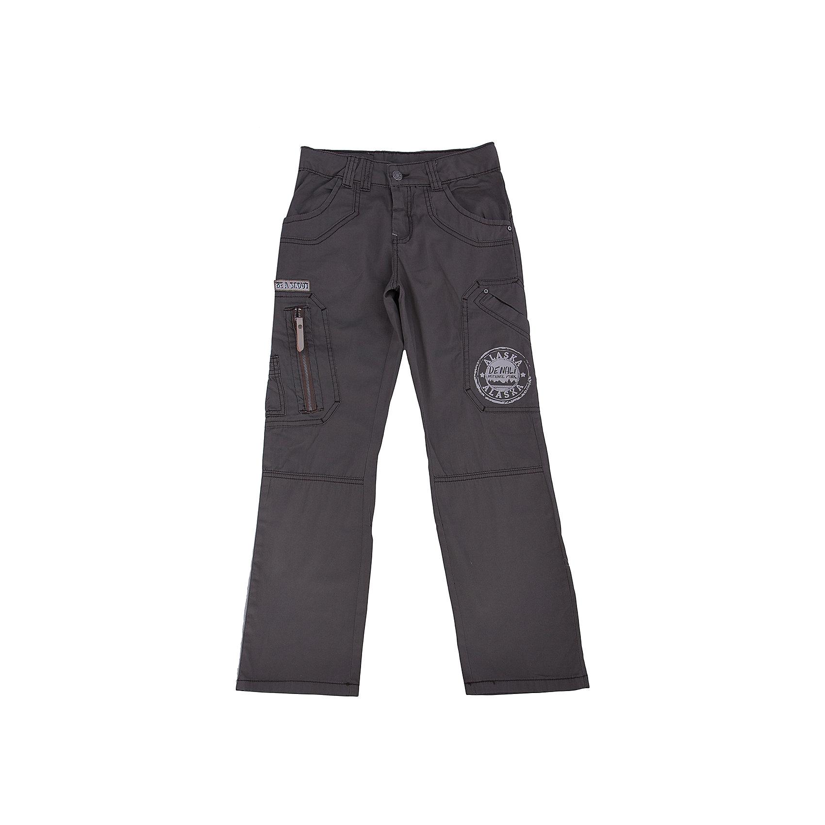 Брюки для мальчика PELICANБрюки<br>Модные брюки помогут разнообразить летний гардероб мальчика, создать подходящий погоде ансамбль. Удобный крой и качественный материал обеспечат ребенку комфорт при ношении этих вещей. <br>Брюки очень стильно смотрятся благодаря актуальному дизайну со множеством карманов и нашивками. Материал - легкий, отлично подходит для детской одежды, состоит из дышащего натурального хлопка. Очень приятен на ощупь, не вызывает аллергии.<br><br>Дополнительная информация:<br><br>материал: 100% хлопок;<br>цвет: зеленый;<br>украшены нашивками.<br><br>Брюки от бренда PELICAN (Пеликан) можно купить в нашем магазине.<br><br>Ширина мм: 215<br>Глубина мм: 88<br>Высота мм: 191<br>Вес г: 336<br>Цвет: зеленый<br>Возраст от месяцев: 96<br>Возраст до месяцев: 108<br>Пол: Мужской<br>Возраст: Детский<br>Размер: 134,140,128,146<br>SKU: 4804895