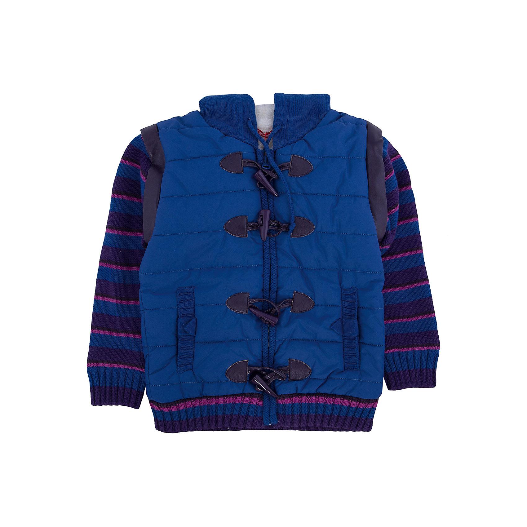 Куртка для девочки PELICANСтильная утепленная куртка для девочки поможет разнообразить гардероб ребенка, создать подходящий ситуации и погоде образ. Удобный крой и качественный материал обеспечат ребенку комфорт при ношении этих вещей. <br>Куртка очень стильно смотрится благодаря актуальному дизайну. Подкладка сделана из искусственного меха, очень мягкого, теплого и приятного на ощупь. Есть съемные рукава на молнии, отделка - из искусственной кожи. На пуговицах и молнии, есть карманы и капюшон. Вставка - из дышащего натурального хлопка. <br><br>Дополнительная информация:<br><br>материал: полиэстер, хлопок;<br>застежка - пуговицы, молния;<br>цвет: фиолетовый;<br>капюшон;<br>карманы;<br>съемные рукава.<br><br>Куртку для девочки от бренда PELICAN (Пеликан) можно купить в нашем магазине.<br><br>Ширина мм: 356<br>Глубина мм: 10<br>Высота мм: 245<br>Вес г: 519<br>Цвет: фиолетовый<br>Возраст от месяцев: 36<br>Возраст до месяцев: 48<br>Пол: Женский<br>Возраст: Детский<br>Размер: 104,98,110,92<br>SKU: 4805058