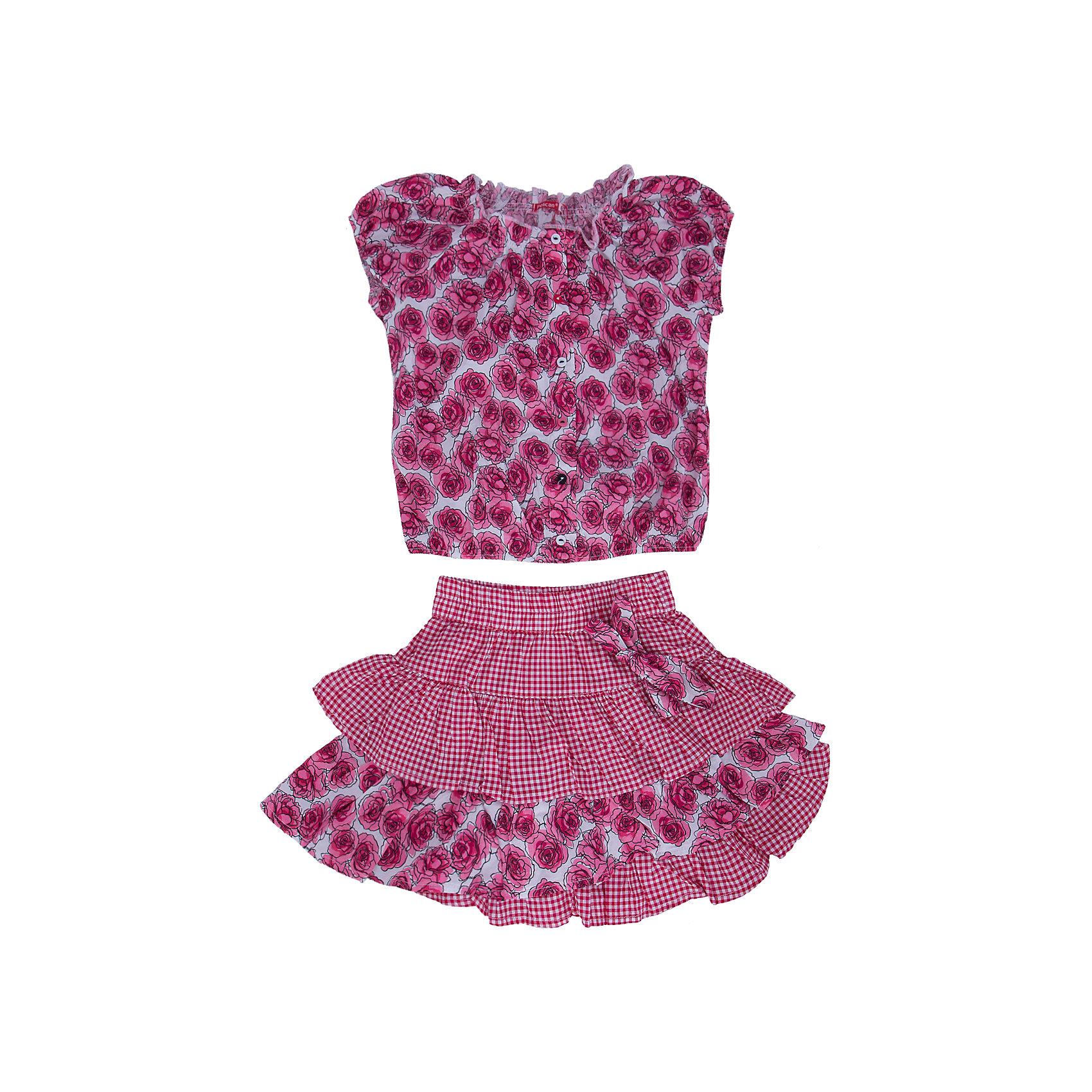 Комплект: блузка и юбка для девочки PELICANКомплекты<br>Стильный комплект для девочки состоит из блузки и юбки. Удобные вещи помогут разнообразить гардероб ребенка, создать подходящий погоде ансамбль. Удобный крой и качественный материал обеспечат ребенку комфорт при ношении этих вещей. <br>Комплект очень стильно смотрится благодаря актуальной в этот сезоне расцветке. Блузка - с модным принтом и короткими рукавами. Юбка украшена воланами и бантом. Материал - легкий, тонкий, отлично подходит для лета, состоит из дышащего натурального хлопка. Очень приятен на ощупь, не вызывает аллергии.<br><br>Дополнительная информация:<br><br>материал: 100% хлопок;<br>цвет: розовый;<br>с принтом;<br>юбка декорирована воланами и бантом.<br><br>Комплект для девочки от бренда PELICAN (Пеликан) можно купить в нашем магазине.<br><br>Ширина мм: 207<br>Глубина мм: 10<br>Высота мм: 189<br>Вес г: 183<br>Цвет: розовый<br>Возраст от месяцев: 24<br>Возраст до месяцев: 36<br>Пол: Женский<br>Возраст: Детский<br>Размер: 98,104,110,116<br>SKU: 4805154