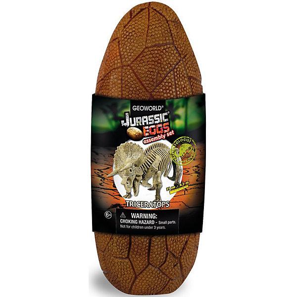 Яйца динозавра Юрский период ТрицератопсШитьё<br>Трицератопс из серии Яйца динозавра Юрский период от Geoworld познакомит вашего ребенка с интересными доисторическими обитателями нашей планеты! Набор представлен в интересной упаковке в виде яйца динозавра, которую затем можно использовать как стаканчик для письменных принадлежностей или для хранения других предметов. Внутри яйца находится выполненный с детальной точностью скелет трицератопса, который ребенку предстоит самостоятельно собрать! Также в наборе есть буклет с инструкцией по сборке и познавательной информацией об этих гигантских доисторических рептилиях. Игрушки данного производителя рассчитаны на детей школьного возраста, так как в коллекции большое количество сборных моделей, каждая модель сопровождается информационным буклетом, содержащим в себе подробные научные сведения. Основными темами коллекции являются палеонтология, выраженная в атентичных ископаемых и скелетах динозавров, и геология, дающая возможность совершать открытия в области минералов и драгоценных камней. Вся продукция является оригинальной и уникальной, так как содержит аутентичные по размеру, форме и составу образцы материалов, идентичных копий которых не существует.<br><br>Ширина мм: 190<br>Глубина мм: 78<br>Высота мм: 66<br>Вес г: 200<br>Возраст от месяцев: 60<br>Возраст до месяцев: 144<br>Пол: Унисекс<br>Возраст: Детский<br>SKU: 4811468