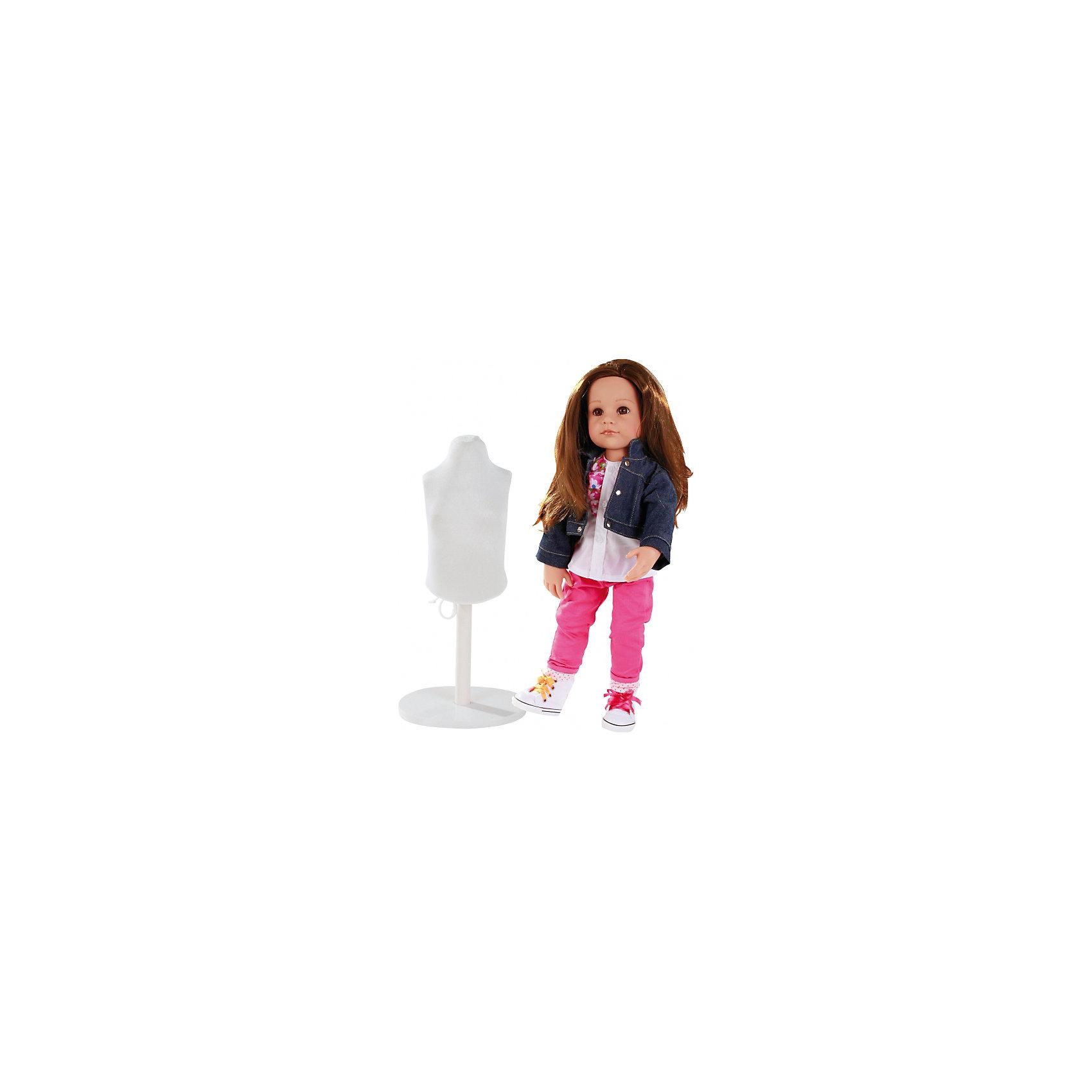 Кукла Ханна Дизайнер, 50 см, G?tzОчаровательная кукла Ханна-дизайнер станет замечательным подарком для девочки. С необычной куклой , которая так похожа на настоящую девочку, можно проводить много времени вместе, придумывая увлекательные сюжеты для игр. Кукла Gotz с виниловым подвижным телом подходит для активных игр дома и на улице. Куклу можно переодевать и делать различные прически. Кукла имеет длинные темные волосы, которые прочно вшиты для избежания выпадения во время активных игр детей. Ханна одета в стильный наряд, состоящий из ярких брючек, пестрой кофты и джинсовой курточки. На ножках у Ханны - стильные кеды с разноцветной шнуровкой. В комплекте с куклой девочка найдет небольшой манекен, а также всё необходимое для того, чтобы создать куколке дополнительный стильный наряд. В комплекте: Кукла Ханна в одежде и обуви, Манекен, Ткань, Ножницы, Сантиметр, Иголки, Сумочка, Инструкция. Кукла, одежда и аксессуары Gotz выполнены из качественных материалов с учетом необходимых стандартов, соответствующих европейским нормативам. Куклу можно мы<br><br>Ширина мм: 527<br>Глубина мм: 384<br>Высота мм: 140<br>Вес г: 1200<br>Возраст от месяцев: 36<br>Возраст до месяцев: 144<br>Пол: Женский<br>Возраст: Детский<br>SKU: 4813060