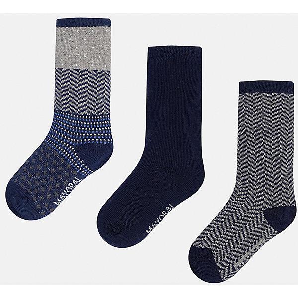 Комплект:3 пары носков для мальчика MayoralНосочки и колготки<br>Набор из 3 пар носков для мальчиков от известного испанского бренда Mayoral. Носки имеют разную расцветку: темно-синий, темно-синий с серыми полосками, темно-синий с различными узорами синего и серого цвета. Изготовлены из специальных дышащих материалов, чтобы ноги ребенка оставались сухими.<br>Дополнительная информация:<br>-разная расцветка<br>-состав: 75% хлопок, 20% полиамид, 3% эластан<br>Комплект носков Mayoral вы можете приобрести в нашем интернет-магазине.<br>Ширина мм: 87; Глубина мм: 10; Высота мм: 105; Вес г: 115; Цвет: синий; Возраст от месяцев: 9; Возраст до месяцев: 12; Пол: Мужской; Возраст: Детский; Размер: 1,2; SKU: 4820020;
