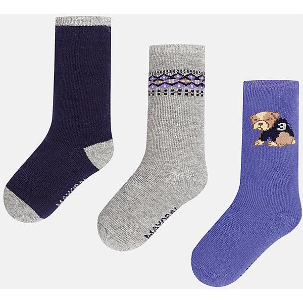 Комплект:3 пары носков для мальчика MayoralНосочки и колготки<br>Набор из 3 пар носков для мальчиков от известного испанского бренда Mayoral. В комплекте носки разной расцветки: темно-синий с серыми пяткой, носком и резинкой, серый с фиолетово-черным узором сверху, фиолетовый с рисунком собачка. Носки сделаны из специальных дышащих материалов, чтобы ноги ребенка не потели.<br>Дополнительная информация:<br>-разная расцветка<br>-состав: 77% хлопок, 20% полиамид, 3% эластан<br>Комплект носков Mayoral можно приобрести в нашем интернет-магазине.<br><br>Ширина мм: 87<br>Глубина мм: 10<br>Высота мм: 105<br>Вес г: 115<br>Цвет: разноцветный<br>Возраст от месяцев: 18<br>Возраст до месяцев: 24<br>Пол: Мужской<br>Возраст: Детский<br>Размер: 2,1<br>SKU: 4820029