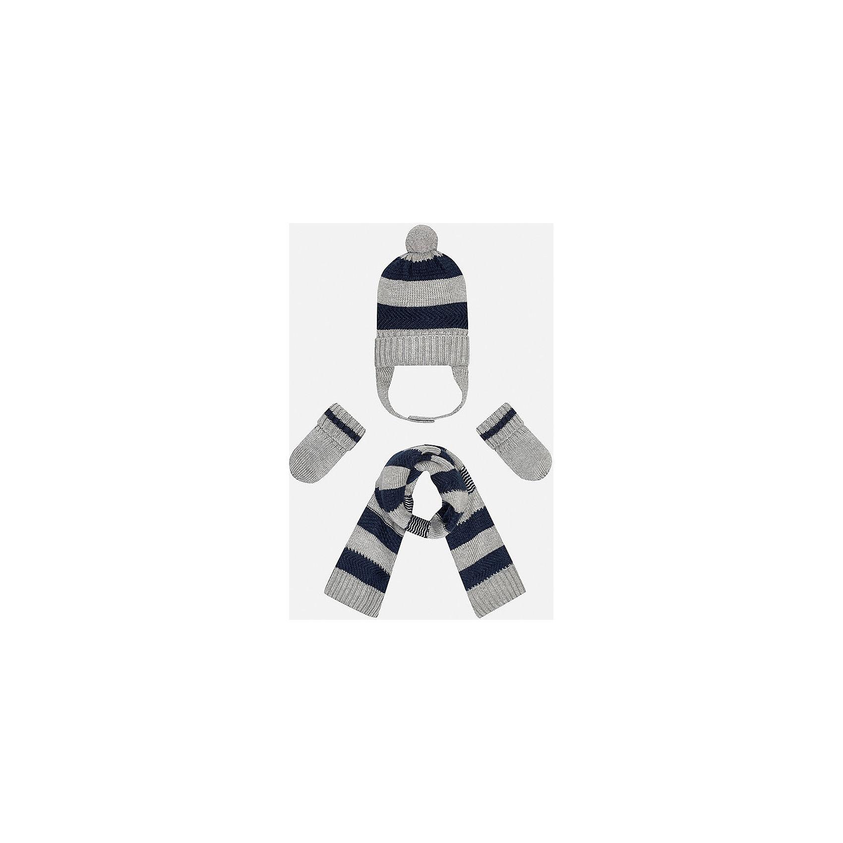 Комплект: шапка-шарф для мальчика MayoralКомплект из шапки, шарфа и варежек для мальчика от популярного испанского бренда Mayoral(майорал). Изделия сделаны из качественных материалов, хорошо сохраняющих тепло. Имеет расцветку в полоску, у шапки есть помпон и завязки. В этом комплекте ребенку будет тепло и комфортно!<br><br>Дополнительная информация:<br>Состав. Шапка: 45% акрил, 30% вискоза, 15% полиамид, 10% шерсть. Шарф: 45% акрил, 30% вискоза, 15% полиамид, 10% шерсть. Варежки: 45% акрил, 30% вискоза, 15% полиамид, 10% шерсть<br>Цвет: серый/темно-синий<br>Комплект из шапки, шарфа и варежек Mayoral(Майорал) можно приобрести в нашем интернет-магазине.<br><br>Ширина мм: 89<br>Глубина мм: 117<br>Высота мм: 44<br>Вес г: 155<br>Цвет: синий<br>Возраст от месяцев: 6<br>Возраст до месяцев: 9<br>Пол: Мужской<br>Возраст: Детский<br>Размер: 46,48<br>SKU: 4820066