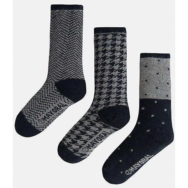 Носки для мальчика, 3 парыНоски<br>Комплект из 3 пар носков для мальчика от известного испанского бренда Mayoral. Каждая пара имеет разную расцветку и сделана из качественных дышащих материалов.<br>Дополнительная информация:<br>-цвет: серый, черный<br>Состав: 72% хлопок, 25% полиамид, 3% эластан<br>Комплект носков Mayoral можно приобрести в нашем интернет-магазине.<br><br>Ширина мм: 87<br>Глубина мм: 10<br>Высота мм: 105<br>Вес г: 115<br>Цвет: серый<br>Возраст от месяцев: 60<br>Возраст до месяцев: 72<br>Пол: Мужской<br>Возраст: Детский<br>Размер: 6,4,8<br>SKU: 4820105