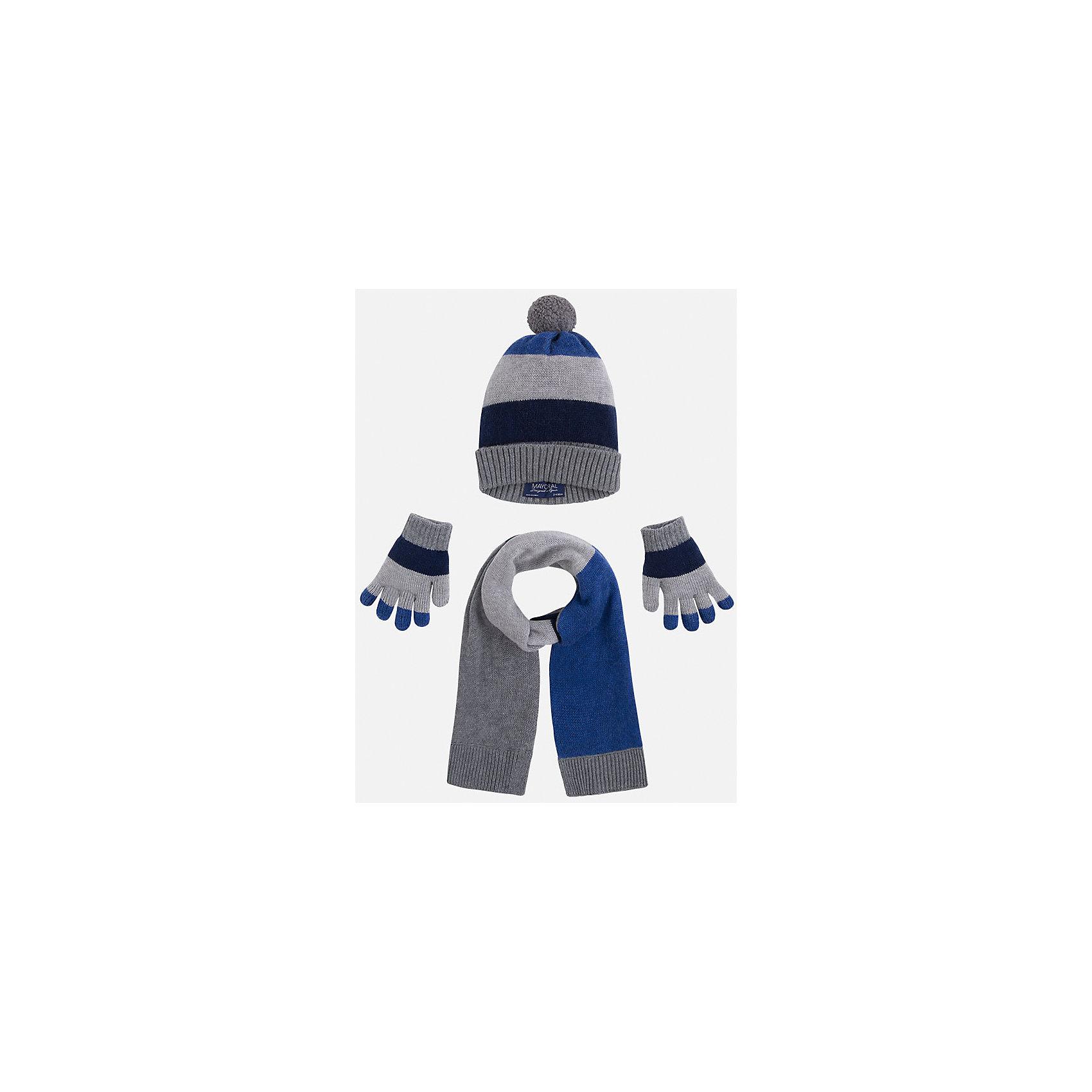 Комплект: шапка, шарф и перчатки для мальчика MayoralКомплект из шапки, шарфа и перчаток от известного испанского бренда Mayoral(Майорал). Изделия сделаны из качественных материалов и отлично сохраняют тепло. Приятный дизайн и помпон на шапке непременно придутся по вкусу юному моднику!<br><br>Дополнительная информация:<br>Состав: 45% акрил, 30% вискоза, 15% полиамид, 10% шерсть<br>Цвет: серый/синий/темно-синий<br>Комплект из шапки, шарфа и перчаток Mayoral(Майорал) вы можете приобрести в нашем интернет-магазине.<br><br>Ширина мм: 89<br>Глубина мм: 117<br>Высота мм: 44<br>Вес г: 155<br>Цвет: синий<br>Возраст от месяцев: 48<br>Возраст до месяцев: 60<br>Пол: Мужской<br>Возраст: Детский<br>Размер: 52,50,54<br>SKU: 4820205