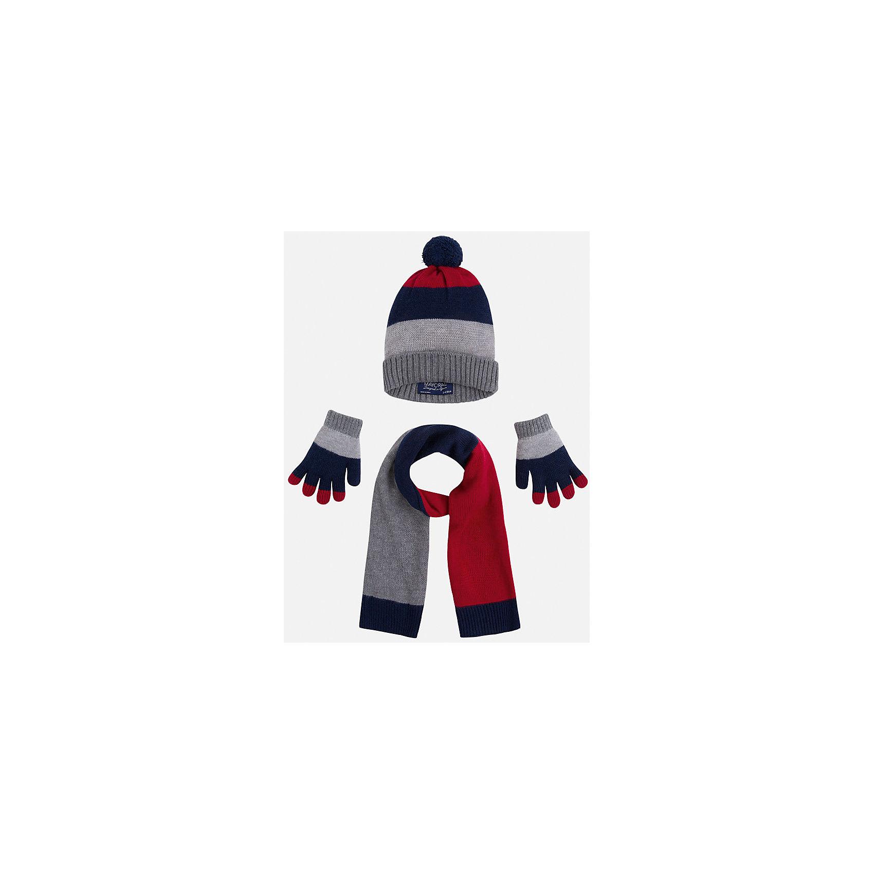 Комплект: шапка, шарф и перчатки для мальчика MayoralГоловные уборы<br>Комплект из шапки, шарфа и перчаток от известного испанского бренда Mayoral(Майорал). Изделия сделаны из качественных материалов и отлично сохраняют тепло. Приятный дизайн и помпон на шапке непременно придутся по вкусу юному моднику!<br><br>Дополнительная информация:<br>Состав: 45% акрил, 30% вискоза, 15% полиамид, 10% шерсть<br>Цвет: серый/темно-синий/красный<br>Комплект из шапки, шарфа и перчаток Mayoral(Майорал) вы можете приобрести в нашем интернет-магазине.<br><br>Ширина мм: 89<br>Глубина мм: 117<br>Высота мм: 44<br>Вес г: 155<br>Цвет: бордовый<br>Возраст от месяцев: 24<br>Возраст до месяцев: 36<br>Пол: Мужской<br>Возраст: Детский<br>Размер: 50,54,52<br>SKU: 4820209