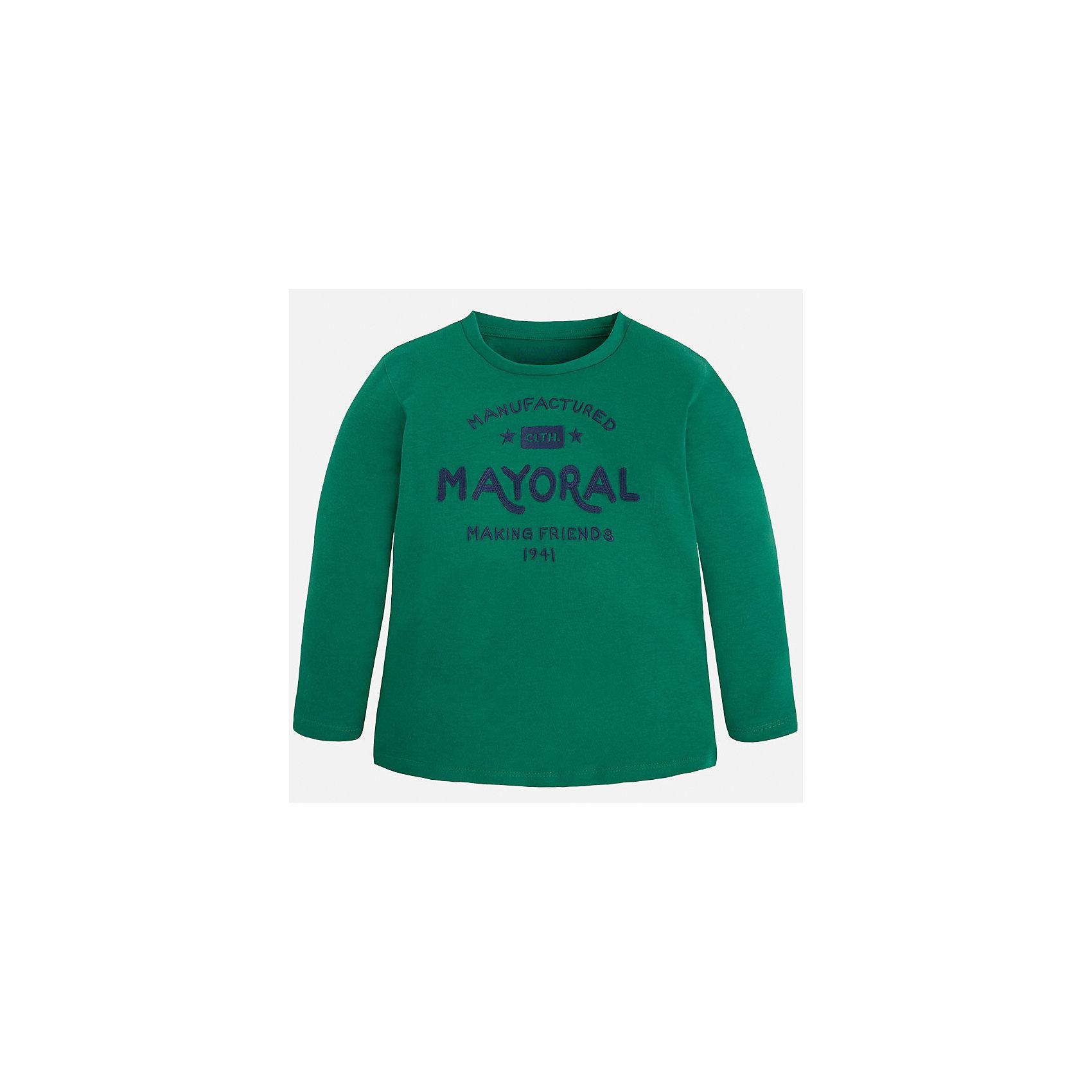 Футболка с длинным рукавом для мальчика MayoralФутболка для мальчика от известного испанского бренда Mayoral. Изготовлена из качественных дышащих материалов, приятно прилегает к телу. Прямой силуэт, длинные рукава. Спереди футболка украшена принтом, посвященным бренду. Специально для тех, кто знает толк в качестве одежды.<br>Дополнительная информация:<br>-прямой силуэт<br>-длинные рукава<br>-цвет: зеленый<br>-состав: 100% хлопок<br>Футболку Mayoral можно приобрести в нашем интернет-магазине.<br><br>Ширина мм: 230<br>Глубина мм: 40<br>Высота мм: 220<br>Вес г: 250<br>Цвет: зеленый<br>Возраст от месяцев: 36<br>Возраст до месяцев: 48<br>Пол: Мужской<br>Возраст: Детский<br>Размер: 104,134,122,92,98,110,128,116<br>SKU: 4820387