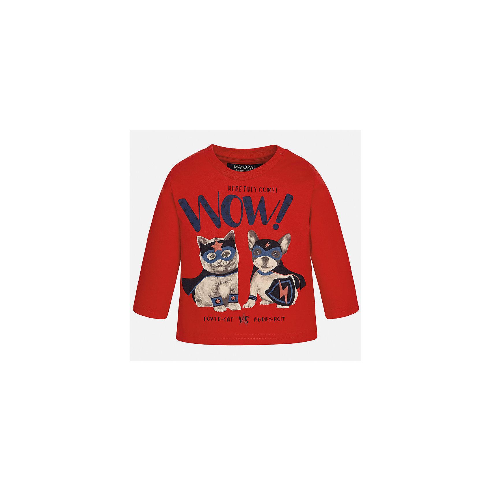 Футболка с длинным рукавом для мальчика MayoralФутболка для мальчика от известного испанского бренда Mayoral. Футболка из 100% хлопка с длинным рукавом и прямым силуэтом; на вороте имеется кнопка-застежка. Спереди принт с забавными животными, благодаря которым ваш ребенок захочет надевать эту футболку снова и снова!<br>Дополнительная информация:<br>-прямой силуэт<br>-длинные рукава<br>-цвет: красный<br>-состав: 100% хлопок<br>Футболку Mayoral можно приобрести в нашем интернет-магазине.<br><br>Ширина мм: 230<br>Глубина мм: 40<br>Высота мм: 220<br>Вес г: 250<br>Цвет: коричневый<br>Возраст от месяцев: 6<br>Возраст до месяцев: 9<br>Пол: Мужской<br>Возраст: Детский<br>Размер: 74,86,92,80<br>SKU: 4820444