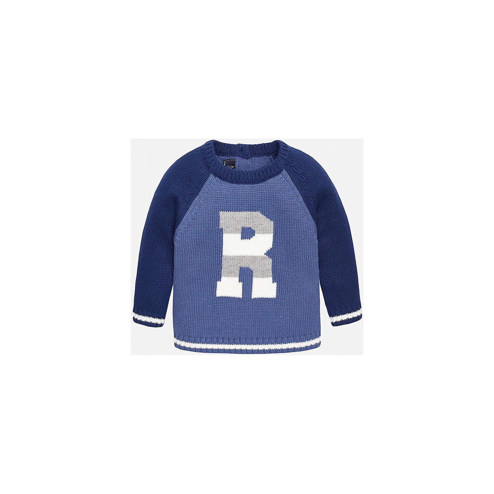 Свитер для мальчика MayoralСвитера и кардиганы<br>Свитер для мальчика от известного испанского бренда Mayoral. Свитер из натуральных тканей с приятной расцветкой. 2 пуговицы на спине, спереди украшен крупным рисунком. Этот свитер несомненно займет достойное место в гардеробе вашего ребенка.<br>Дополнительная информация:<br>-прямой силуэт<br>-длинные рукава<br>-2 пуговицы на спине<br>-цвет: голубой/синий<br>-состав: 50% хлопок, 45% полиамид, 5% шерсть<br>Свитер Mayoral вы можете приобрести в нашем интернет-магазине<br><br>Ширина мм: 190<br>Глубина мм: 74<br>Высота мм: 229<br>Вес г: 236<br>Цвет: синий<br>Возраст от месяцев: 12<br>Возраст до месяцев: 15<br>Пол: Мужской<br>Возраст: Детский<br>Размер: 80,92,86,74<br>SKU: 4820621