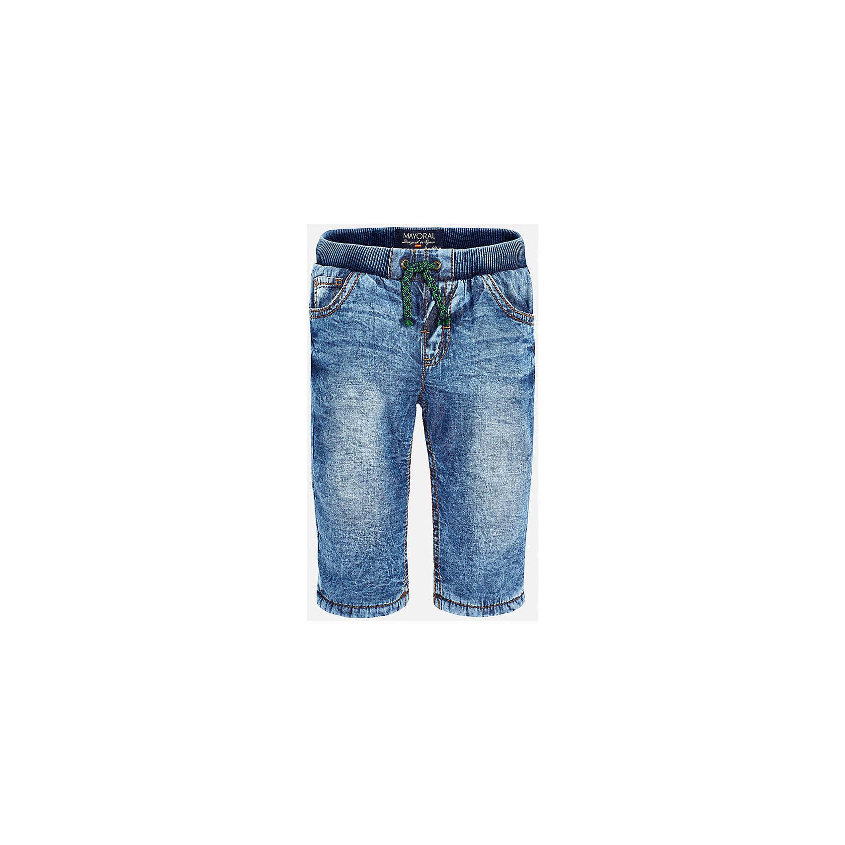 Джинсы для мальчика MayoralДжинсовая одежда<br>Джинсы для мальчика от известного испанского бренда Mayoral(Майорал) изготовлены из хлопка с подкладкой из полиэстера. На поясе удобная резиночка и завязки. Спереди и сзади по два кармана. В таких джинсах юному моднику будет очень удобно!<br><br>Дополнительная информация:<br>Состав: 100% хлопок. Подкладка: 100% полиэстер<br>Цвет: синий<br>Брюки для мальчика Mayoral(Майорал) вы можете приобрести в нашем интернет-магазине.<br><br>Ширина мм: 215<br>Глубина мм: 88<br>Высота мм: 191<br>Вес г: 336<br>Цвет: голубой<br>Возраст от месяцев: 6<br>Возраст до месяцев: 9<br>Пол: Мужской<br>Возраст: Детский<br>Размер: 74,92,86,80<br>SKU: 4820719
