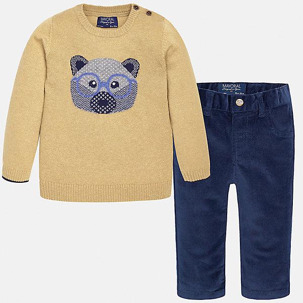 Комплект: джемпер и брюки для мальчика MayoralКомплекты<br>Комплект: джемпер и брюки для мальчика Mayoral (Майорал)<br>Комплект джемпер и брюки для мальчика от известной испанской марки Mayoral (Майорал) - прекрасный вариант для повседневной носки. Он состоит из бежевого джемпера с длинными рукавами и темно-синих брюк. Джемпер с округлым вырезом горловины, украшенный изображением мордочки медвежонка, выполнен из мягкой, приятной на ощупь ткани с добавлением шерсти. Удобный крой не будет стеснять движений вашего ребенка, а благодаря застежкам-пуговицам, расположенным на плече, переодевание будет быстрым и легким. Брюки прямого кроя застегиваются на кнопку, пояс регулируется с помощью резинки. Комплект выполнен из высококачественных материалов, прекрасно смотрится на фигуре, не линяет и не выцветает.<br><br>Дополнительная информация:<br><br>- Комплектация: брюки, джемпер<br>- Цвет: бежевый, темно-синий<br>- Состав: джемпер - 60% хлопок, 30% полиамид, 10% шерсть; брюки – 98% хлопок, 2% эластан<br>- Уход за вещами: бережная стирка при 30 градусах<br><br>Комплект: джемпер и брюки для мальчика Mayoral (Майорал) можно купить в нашем интернет-магазине.<br><br>Ширина мм: 190<br>Глубина мм: 74<br>Высота мм: 229<br>Вес г: 236<br>Цвет: синий<br>Возраст от месяцев: 6<br>Возраст до месяцев: 9<br>Пол: Мужской<br>Возраст: Детский<br>Размер: 74,80,86,92<br>SKU: 4820753