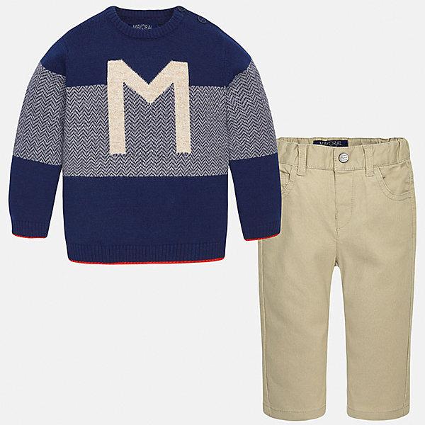 Комплект: джемпер и брюки для мальчика MayoralКомплекты<br>Комплект: джемпер и брюки для мальчика Mayoral (Майорал)<br>Комплект джемпер и брюки для мальчика от известной испанской марки Mayoral (Майорал) - прекрасный вариант для повседневной носки. Он состоит из джемпера с длинными рукавами и длинных брюк. Джемпер с округлым вырезом горловины, декорированный изображением буквы М и каемкой красного цвета, выполнен из мягкой, приятной на ощупь ткани. Удобный крой не будет стеснять движений вашего ребенка, а благодаря застежкам-пуговицам, расположенным на плече, переодевание будет быстрым и легким. Брюки прямого кроя, застегиваются на кнопку. Пояс на резинке. Комплект выполнен из высококачественных материалов, прекрасно смотрится на фигуре, не линяет и не выцветает.<br><br>Дополнительная информация:<br><br>- Комплектация: брюки, джемпер<br>- Цвет: темно-синий, желтовато-коричневый<br>- Состав: джемпер - 45% хлопок, 55% акрил; брюки – 98% хлопок, 2% эластан<br>- Уход за вещами: бережная стирка при 30 градусах<br><br>Комплект: джемпер и брюки для мальчика Mayoral (Майорал) можно купить в нашем интернет-магазине.<br><br>Ширина мм: 190<br>Глубина мм: 74<br>Высота мм: 229<br>Вес г: 236<br>Цвет: бежевый<br>Возраст от месяцев: 18<br>Возраст до месяцев: 24<br>Пол: Мужской<br>Возраст: Детский<br>Размер: 92,74,80,86<br>SKU: 4820763