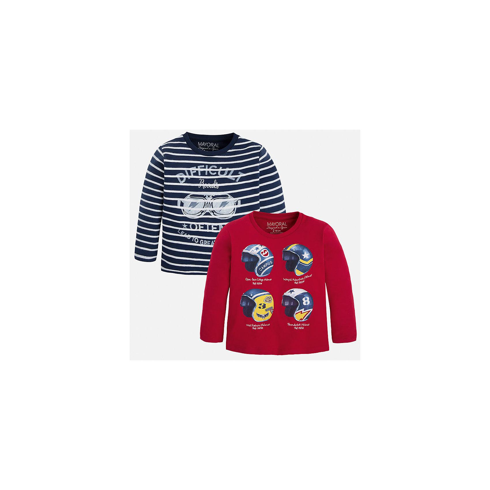 Футболка с длинным рукавом для мальчика, 2 шт. MayoralКомплект из двух футболок от известной испанской марки Mayoral (Майорал) разнообразит повседневный гардероб вашего мальчика. Футболки изготовлены из трикотажного материала (100% хлопок), декорированы оригинальным принтом.<br><br>Дополнительная информация:<br><br>- Комплектация: 2 футболки (вишневая и синяя в белую полоску)<br>- Состав: 100% хлопок<br>- Уход: бережная стирка при 30 градусах<br><br>Футболка с длинным рукавом 2шт. для мальчика Mayoral (Майорал) можно купить в нашем интернет-магазине.<br><br>Ширина мм: 230<br>Глубина мм: 40<br>Высота мм: 220<br>Вес г: 250<br>Цвет: бордовый<br>Возраст от месяцев: 18<br>Возраст до месяцев: 24<br>Пол: Мужской<br>Возраст: Детский<br>Размер: 134,104,110,116,122,128,92,98<br>SKU: 4820860