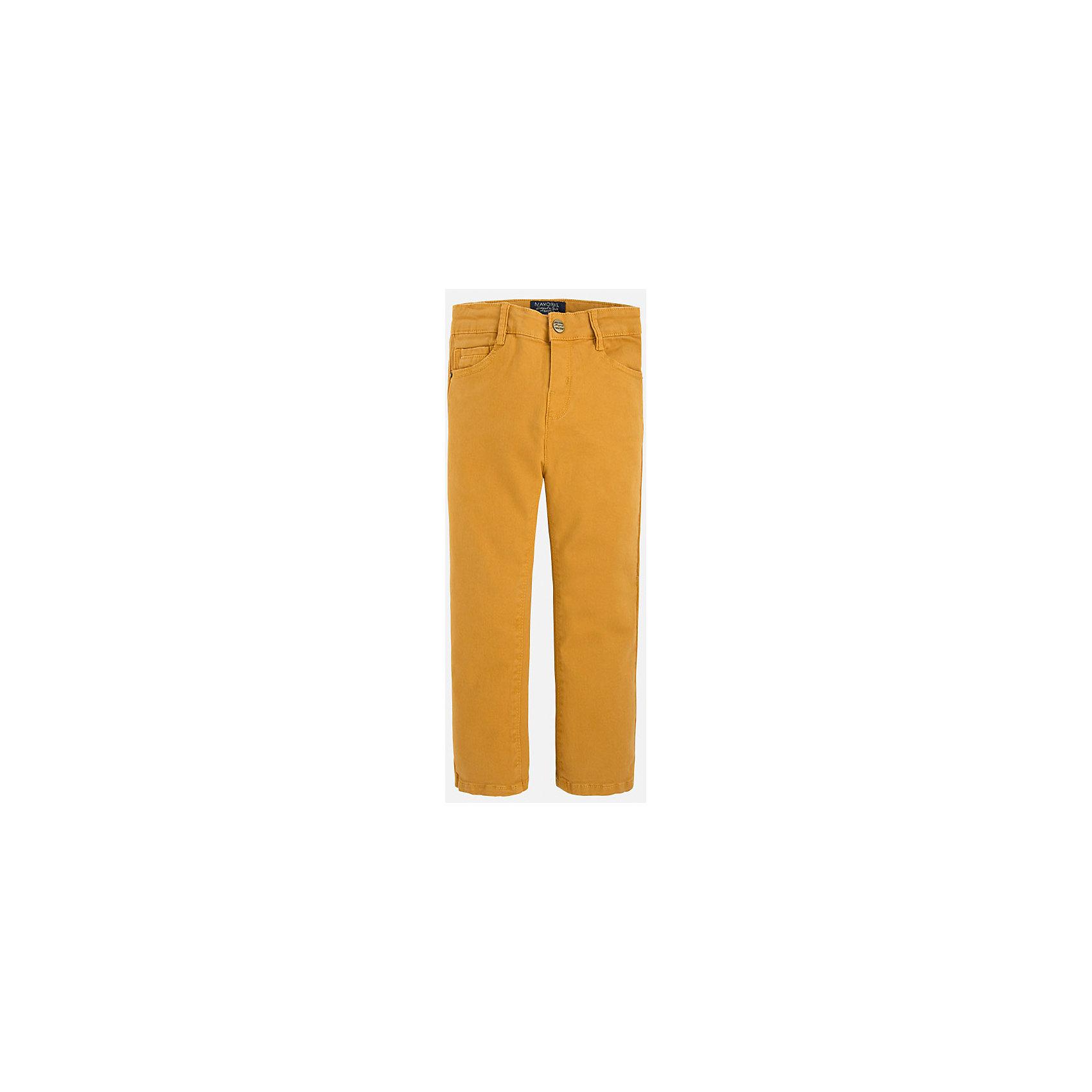 Брюки для мальчика MayoralДжинсы и брючки<br>Брюки для мальчика Mayoral (Майорал)<br>Ультрамодные брюки от известной испанской марки Mayoral (Майорал), выполненные из хлопковой ткани с небольшим содержанием эластана, станут прекрасным дополнением гардероба вашего мальчика. Брюки на поясе застегиваются на пуговицу, а также имеют ширинку на застежке-молнии и шлевки для ремня, объем талии регулируется. Модель имеет два кармана и кармашек для ключей спереди и два накладных кармана сзади.<br><br>Дополнительная информация:<br><br>- Цвет: медовый<br>- Состав: 98% хлопок, 2% эластан<br>- Уход: бережная стирка при 30 градусах<br><br>Брюки для мальчика Mayoral (Майорал) можно купить в нашем интернет-магазине.<br><br>Ширина мм: 215<br>Глубина мм: 88<br>Высота мм: 191<br>Вес г: 336<br>Цвет: бежевый<br>Возраст от месяцев: 18<br>Возраст до месяцев: 24<br>Пол: Мужской<br>Возраст: Детский<br>Размер: 92,110,104,98,134,128,122,116<br>SKU: 4820887