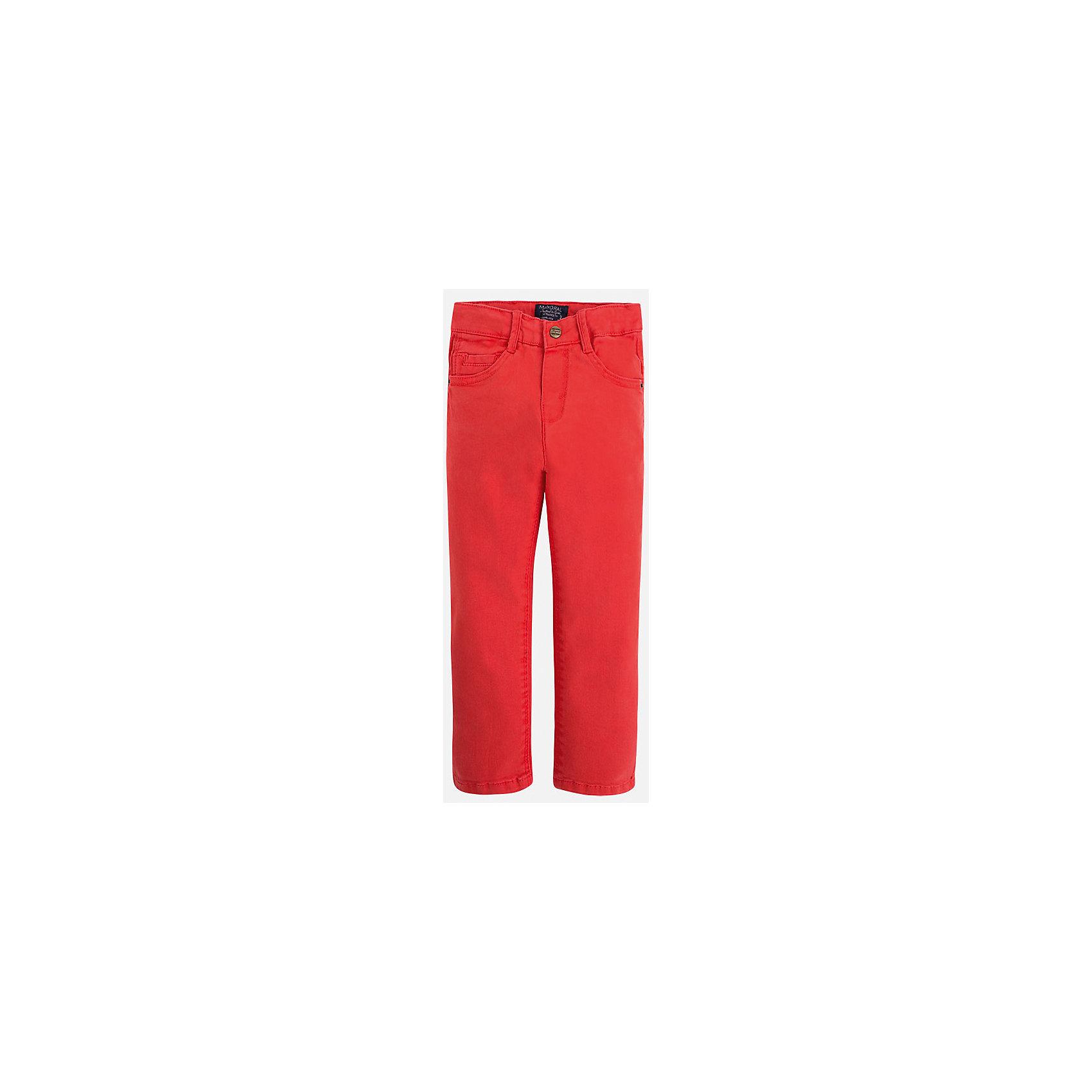 Брюки для мальчика MayoralБрюки<br>Брюки для мальчика Mayoral (Майорал)<br>Ультрамодные брюки от известной испанской марки Mayoral (Майорал), выполненные из хлопковой ткани с небольшим содержанием эластана, станут прекрасным дополнением гардероба вашего мальчика. Брюки на поясе застегиваются на пуговицу, а также имеют ширинку на застежке-молнии и шлевки для ремня, объем талии регулируется. Модель имеет два кармана и кармашек для ключей спереди и два накладных кармана сзади.<br><br>Дополнительная информация:<br><br>- Цвет: красно-оранжевый<br>- Состав: 98% хлопок, 2% эластан<br>- Уход: бережная стирка при 30 градусах<br><br>Брюки для мальчика Mayoral (Майорал) можно купить в нашем интернет-магазине.<br><br>Ширина мм: 215<br>Глубина мм: 88<br>Высота мм: 191<br>Вес г: 336<br>Цвет: коричневый<br>Возраст от месяцев: 18<br>Возраст до месяцев: 24<br>Пол: Мужской<br>Возраст: Детский<br>Размер: 128,122,116,110,104,98,92,134<br>SKU: 4820896