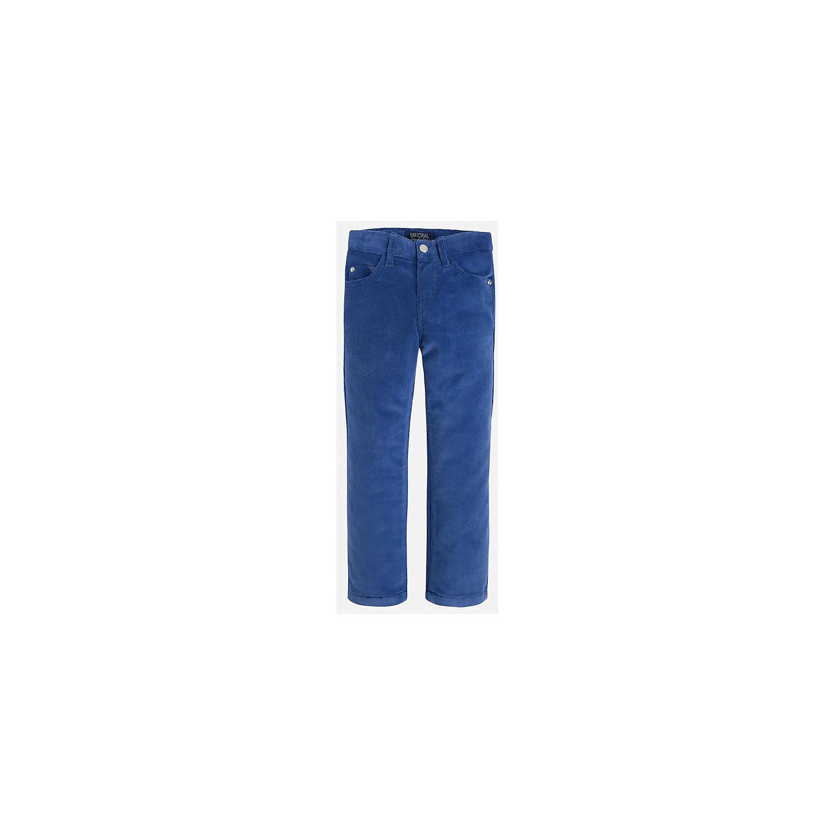Брюки для мальчика MayoralБрюки<br>Вельветовые брюки для мальчика от известного испанского бренда Mayoral(Майорал). Брюки с удобной регулируемой талией имеют по 2 кармана спереди и сзади. Эти брюки прекрасно впишутся в гардероб ребенка!<br><br>Дополнительная информация:<br>Состав: 72% хлопок, 26% полиэстер, 2% эластан<br>Цвет: синий<br>Вы можете купить брюки для мальчика Mayoral(Майорал) в нашем интернет-магазине.<br><br>Ширина мм: 215<br>Глубина мм: 88<br>Высота мм: 191<br>Вес г: 336<br>Цвет: фиолетовый<br>Возраст от месяцев: 24<br>Возраст до месяцев: 36<br>Пол: Мужской<br>Возраст: Детский<br>Размер: 98,116,122,128,134,104,110<br>SKU: 4821200
