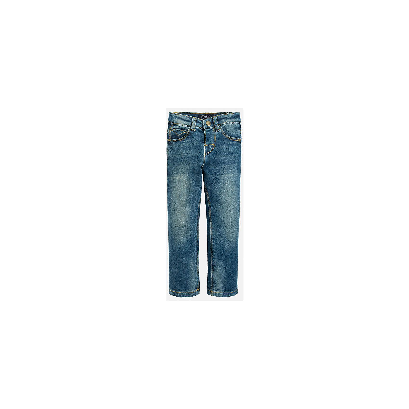 Джинсы для мальчика MayoralДжинсовая одежда<br>Классический джинсы - это неотъемлемый атрибут в гардеробе мальчишки!<br><br>Дополнительная информация:<br><br>- Крой: Regular Fit.<br>- Страна бренда: Испания.<br>- Состав: хлопок 98%, эластан 2%.<br>- Цвет: синий.<br>- Уход: бережная стирка при 30 градусах.<br><br>Купить брюки для мальчика Mayoral можно в нашем магазине.<br><br>Ширина мм: 215<br>Глубина мм: 88<br>Высота мм: 191<br>Вес г: 336<br>Цвет: синий<br>Возраст от месяцев: 36<br>Возраст до месяцев: 48<br>Пол: Мужской<br>Возраст: Детский<br>Размер: 104,134,128,122,110,92,98,116<br>SKU: 4821739