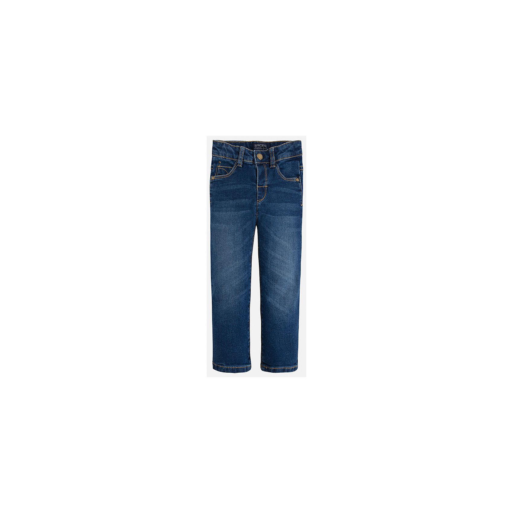 Джинсы для мальчика MayoralДжинсы<br>Классический джинсы - это неотъемлемый атрибут в гардеробе мальчишки!<br><br>Дополнительная информация:<br><br>- Крой: Regular Fit.<br>- Страна бренда: Испания.<br>- Состав: хлопок 98%, эластан 2%.<br>- Цвет: темно-синий.<br>- Уход: бережная стирка при 30 градусах.<br><br>Купить брюки для мальчика Mayoral можно в нашем магазине.<br><br>Ширина мм: 215<br>Глубина мм: 88<br>Высота мм: 191<br>Вес г: 336<br>Цвет: синий<br>Возраст от месяцев: 18<br>Возраст до месяцев: 24<br>Пол: Мужской<br>Возраст: Детский<br>Размер: 92,134,122,98,104,110,116,128<br>SKU: 4821748