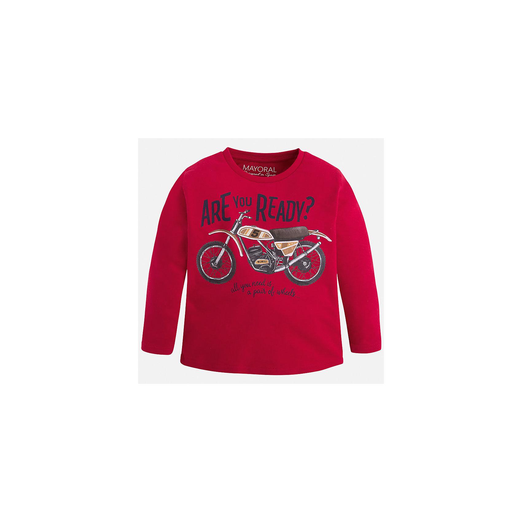 Футболка с длинным рукавом для мальчика MayoralХлопковая футболка с длинными рукавами - это  базовая вещь в любом гардеробе. Благодаря длинным рукавам и легкому составу, ее можно носить в любое время года, а яркий орнамент, подчеркнет индивидуальный стиль Вашего ребенка!<br><br>Дополнительная информация:<br><br>- Крой: прямой крой.<br>- Страна бренда: Испания.<br>- Состав: хлопок 90%, вискоза 10%.<br>- Цвет: красный.<br>- Уход: бережная стирка при 30 градусах.<br><br>Купить футболку с длинным рукавом для мальчика, от  Mayoral, можно в нашем магазине.<br><br>Ширина мм: 230<br>Глубина мм: 40<br>Высота мм: 220<br>Вес г: 250<br>Цвет: бордовый<br>Возраст от месяцев: 24<br>Возраст до месяцев: 36<br>Пол: Мужской<br>Возраст: Детский<br>Размер: 98,122,128,134,92,104,110,116<br>SKU: 4821863