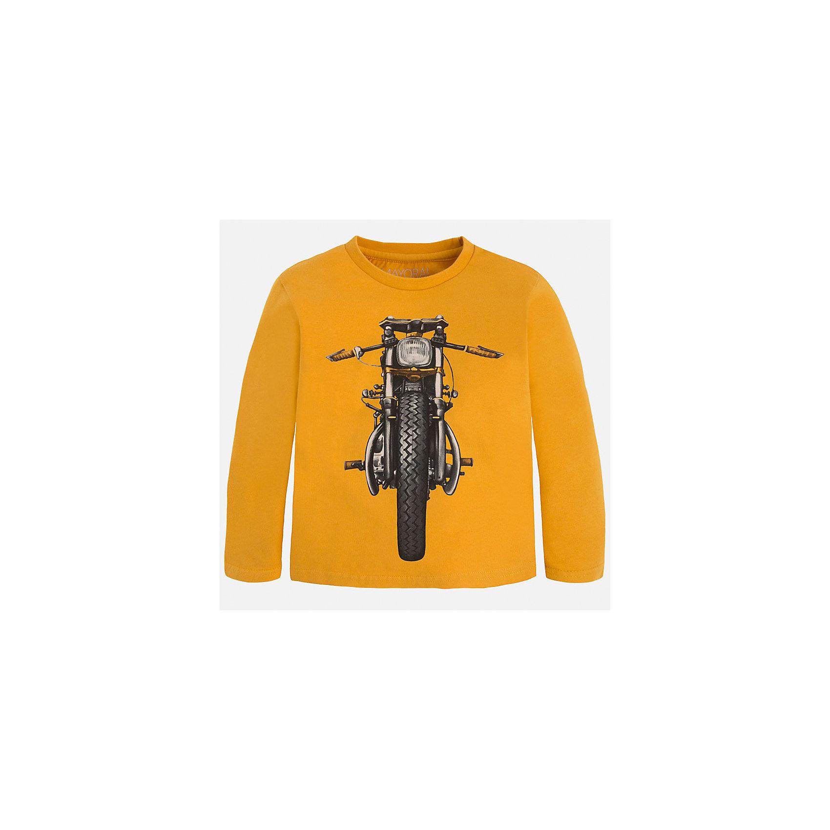 Футболка с длинным рукавом для мальчика MayoralХлопковая футболка с длинными рукавами - это  базовая вещь в любом гардеробе. Благодаря длинным рукавам и легкому составу, ее можно носить в любое время года, а яркий орнамент, подчеркнет индивидуальный стиль Вашего ребенка!<br><br>Дополнительная информация:<br><br>- Крой: прямой крой.<br>- Страна бренда: Испания.<br>- Состав: хлопок 100%.<br>- Цвет: желтый.<br>- Уход: бережная стирка при 30 градусах.<br><br>Купить футболку с длинным рукавом для мальчика, от  Mayoral, можно в нашем магазине.<br><br>Ширина мм: 230<br>Глубина мм: 40<br>Высота мм: 220<br>Вес г: 250<br>Цвет: бежевый<br>Возраст от месяцев: 108<br>Возраст до месяцев: 120<br>Пол: Мужской<br>Возраст: Детский<br>Размер: 134,128,104,98,110,122,116<br>SKU: 4821880