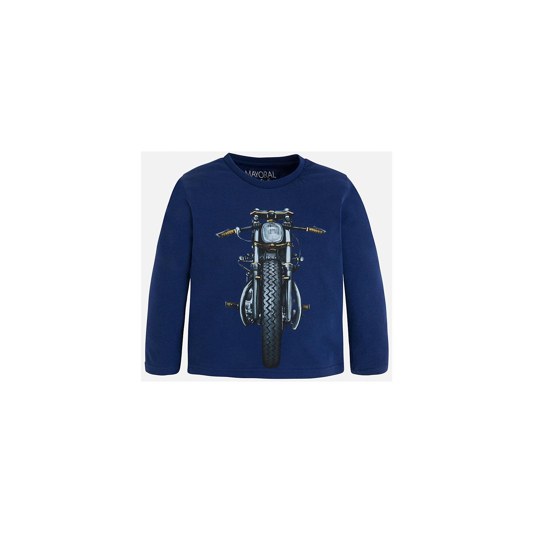 Футболка с длинным рукавом для мальчика MayoralХлопковая футболка с длинными рукавами - это  базовая вещь в любом гардеробе. Благодаря длинным рукавам и легкому составу, ее можно носить в любое время года, а яркий орнамент, подчеркнет индивидуальный стиль Вашего ребенка!<br><br>Дополнительная информация:<br><br>- Крой: прямой крой.<br>- Страна бренда: Испания.<br>- Состав: хлопок 100%.<br>- Цвет: темно-синий.<br>- Уход: бережная стирка при 30 градусах.<br><br>Купить футболку с длинным рукавом для мальчика, от  Mayoral, можно в нашем магазине.<br><br>Ширина мм: 230<br>Глубина мм: 40<br>Высота мм: 220<br>Вес г: 250<br>Цвет: синий<br>Возраст от месяцев: 96<br>Возраст до месяцев: 108<br>Пол: Мужской<br>Возраст: Детский<br>Размер: 128,116,110,104,98,134,122<br>SKU: 4821888