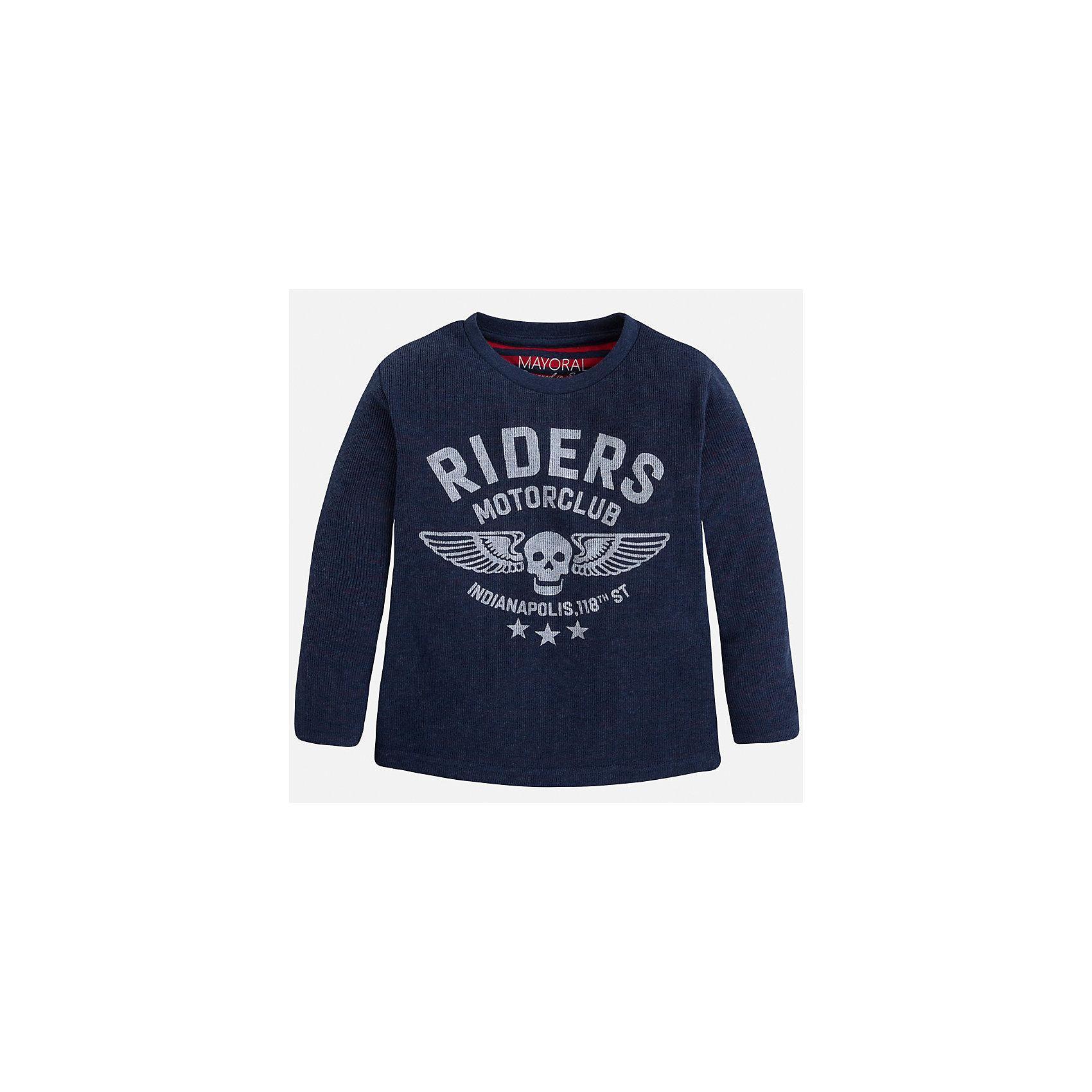 Футболка с длинным рукавом для мальчика MayoralХлопковая футболка с длинными рукавами - это  базовая вещь в любом гардеробе. Благодаря длинным рукавам и легкому составу, ее можно носить в любое время года, а яркий орнамент, подчеркнет индивидуальный стиль Вашего ребенка!<br><br>Дополнительная информация:<br><br>- Крой: прямой крой.<br>- Страна бренда: Испания.<br>- Состав: <br>Верхняя ткань: хлопок 60%, полиэстер 40%.<br>Подкладка: хлопок 60%, полиэстер 40%.<br>- Цвет: синий.<br>- Уход: бережная стирка при 30 градусах.<br><br>Купить футболку с длинным рукавом для мальчика, от  Mayoral, можно в нашем магазине.<br><br>Ширина мм: 230<br>Глубина мм: 40<br>Высота мм: 220<br>Вес г: 250<br>Цвет: синий<br>Возраст от месяцев: 18<br>Возраст до месяцев: 24<br>Пол: Мужской<br>Возраст: Детский<br>Размер: 92,134,128,122,116,110,104,98<br>SKU: 4821896