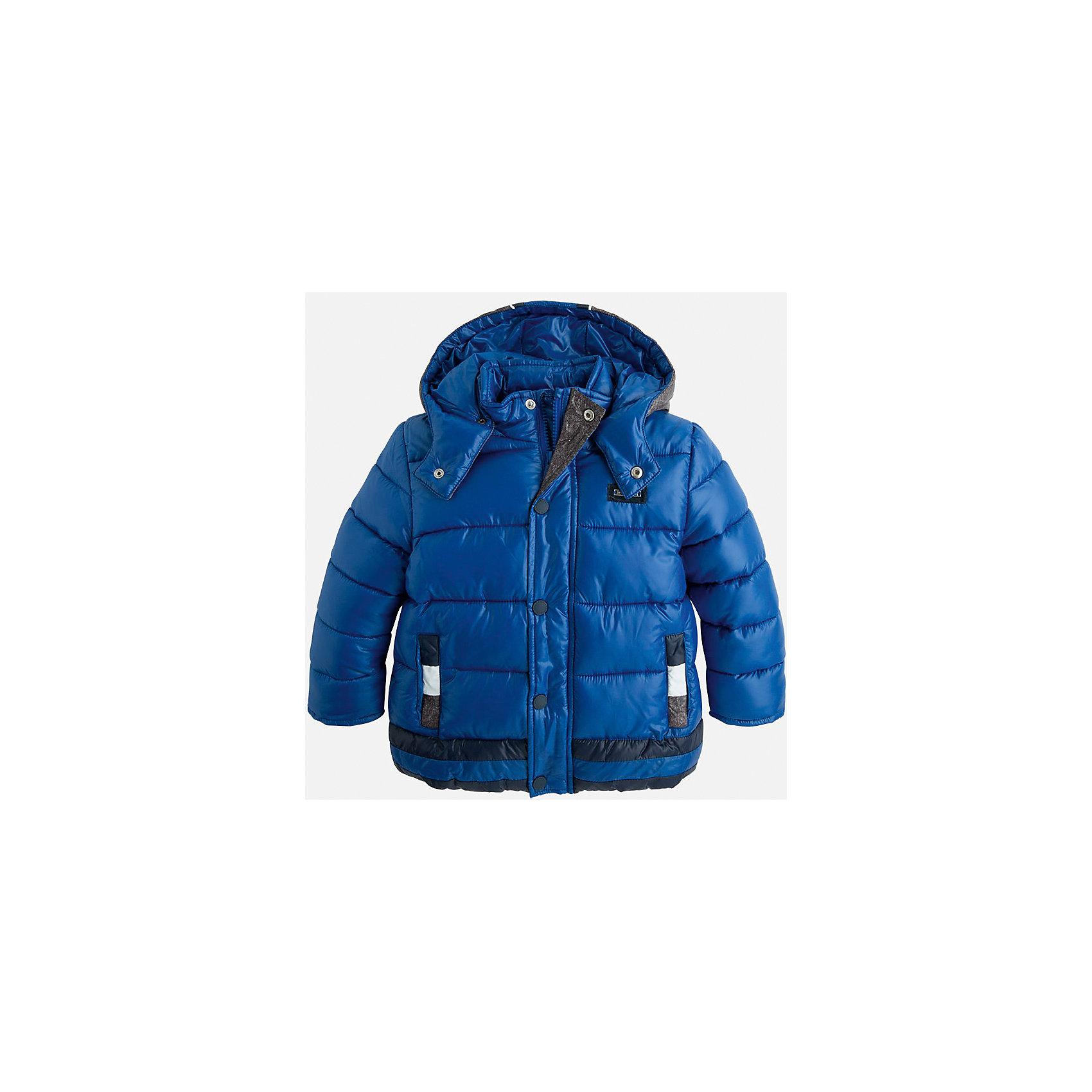 Куртка для мальчика MayoralДемисезонные куртки<br>Стильная, теплая осенняя куртка для юного джентльмена!<br>Порадуйте своего ребенка хорошим подарком!<br><br>Дополнительная информация:<br><br>- Крой: прямой крой, удлиненная модель.<br>- Страна бренда: Испания.<br>- Состав: <br>Верхняя ткань: полиэстер 100%.<br>Подкладка: полиэстер 100%.<br>Наполнитель: полиэстер 100%.<br>- Цвет: синий.<br>- Уход: бережная стирка при 30 градусах.<br><br>Купить куртку для мальчика Mayoral можно в нашем магазине.<br><br>Ширина мм: 356<br>Глубина мм: 10<br>Высота мм: 245<br>Вес г: 519<br>Цвет: фиолетовый<br>Возраст от месяцев: 24<br>Возраст до месяцев: 36<br>Пол: Мужской<br>Возраст: Детский<br>Размер: 98,134,128,122,116,110,104<br>SKU: 4821945