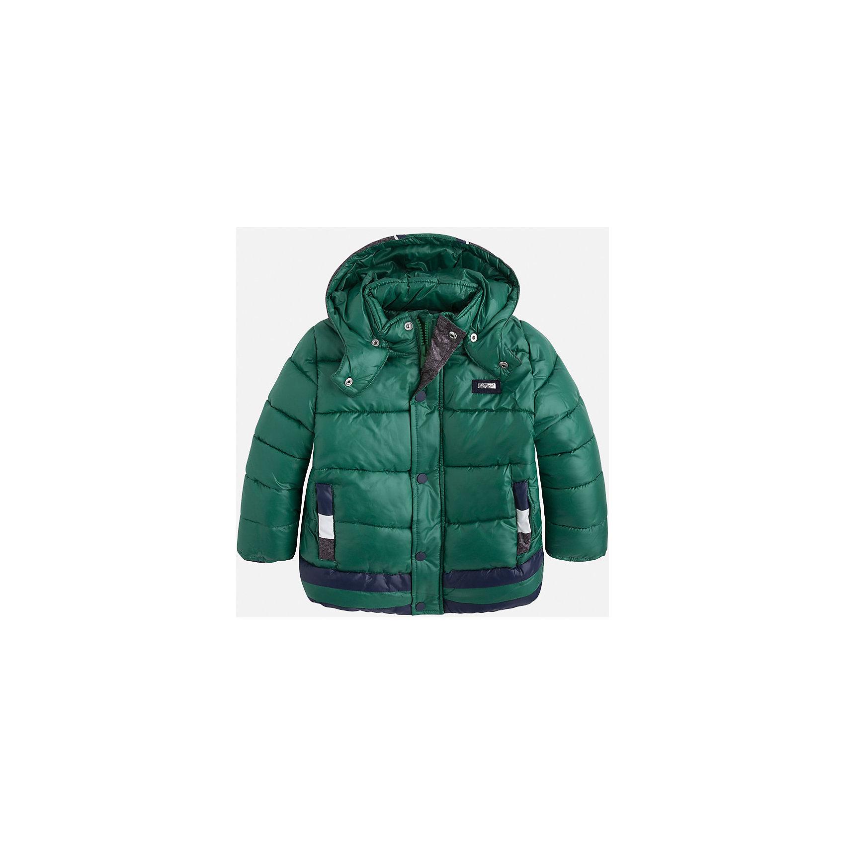 Куртка для мальчика MayoralДемисезонные куртки<br>Стильная, теплая осенняя куртка для юного джентльмена!<br>Порадуйте своего ребенка хорошим подарком!<br><br>Дополнительная информация:<br><br>- Крой: прямой крой, удлиненная модель.<br>- Страна бренда: Испания.<br>- Состав: <br>Верхняя ткань: полиэстер 100%.<br>Подкладка: полиэстер 100%.<br>Наполнитель: полиэстер 100%.<br>- Цвет: зеленый.<br>- Уход: бережная стирка при 30 градусах.<br><br>Купить куртку для мальчика Mayoral можно в нашем магазине.<br><br>Ширина мм: 356<br>Глубина мм: 10<br>Высота мм: 245<br>Вес г: 519<br>Цвет: белый<br>Возраст от месяцев: 96<br>Возраст до месяцев: 108<br>Пол: Мужской<br>Возраст: Детский<br>Размер: 128,122,116,110,104,98,134<br>SKU: 4821953