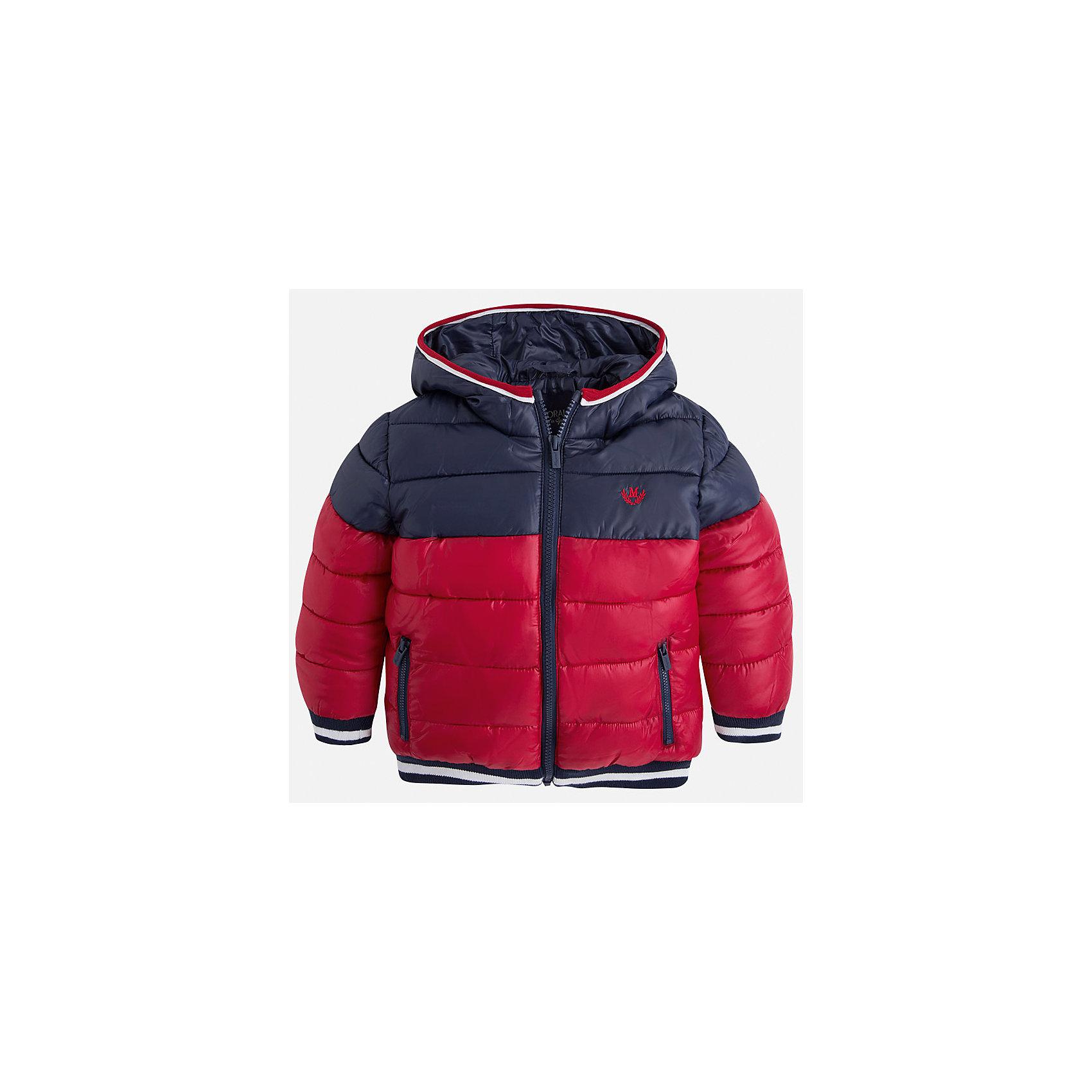 Куртка для мальчика MayoralСкоро осень, а значит Вашему малышу скоро понадобиться что-нибудь теплое. Значит, Вам прекрасно подойдет стильная, двухцветная и теплая куртка Mayoral!<br>Порадуйте своего ребенка хорошим подарком!<br><br>Дополнительная информация:<br><br>- Крой: прямой крой.<br>- Страна бренда: Испания.<br>- Состав: <br>Верхняя ткань: полиэстер 100%.<br>Подкладка: полиэстер 100%.<br>Наполнитель: полиэстер 100%.<br>- Цвет: темно синий и красный.<br>- Уход: бережная стирка при 30 градусах.<br><br>Купить куртку для мальчика Mayoral можно в нашем магазине.<br><br>Ширина мм: 356<br>Глубина мм: 10<br>Высота мм: 245<br>Вес г: 519<br>Цвет: бордовый<br>Возраст от месяцев: 60<br>Возраст до месяцев: 72<br>Пол: Мужской<br>Возраст: Детский<br>Размер: 116,104,122,98,134,128,110<br>SKU: 4821969