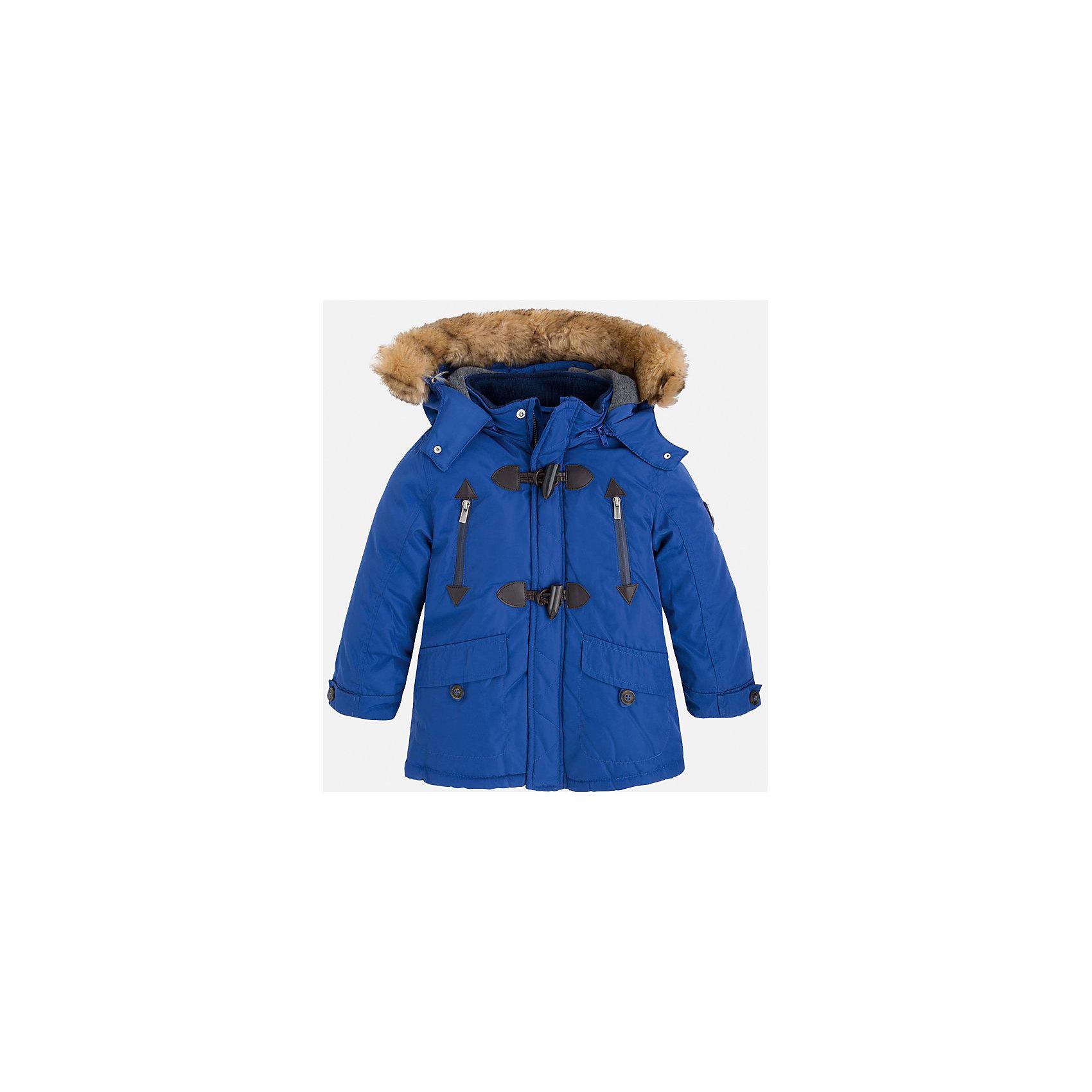 Жакет для мальчика MayoralДемисезонные куртки<br>Скоро осень, а значит Вашему малышу  понадобиться что-нибудь теплое. Значит, Вам прекрасно подойдет яркая, а главное, теплая куртка Mayoral!<br>Порадуйте своего модника хорошим подарком!<br><br>Дополнительная информация:<br><br>- Крой: прямой крой, расклешенный к низу.<br>- Страна бренда: Испания.<br>- Состав: <br>Верхняя ткань: полиэстер 100%.<br>Подкладка: полиэстер 100%.<br>Наполнитель: полиэстер 100%.<br>- Цвет: синий.<br>- Уход: бережная стирка при 30 градусах.<br><br>Купить куртку для мальчика Mayoral можно в нашем магазине.<br><br>Ширина мм: 190<br>Глубина мм: 74<br>Высота мм: 229<br>Вес г: 236<br>Цвет: лиловый<br>Возраст от месяцев: 48<br>Возраст до месяцев: 60<br>Пол: Мужской<br>Возраст: Детский<br>Размер: 110,128,122,116,104,98,134<br>SKU: 4821985