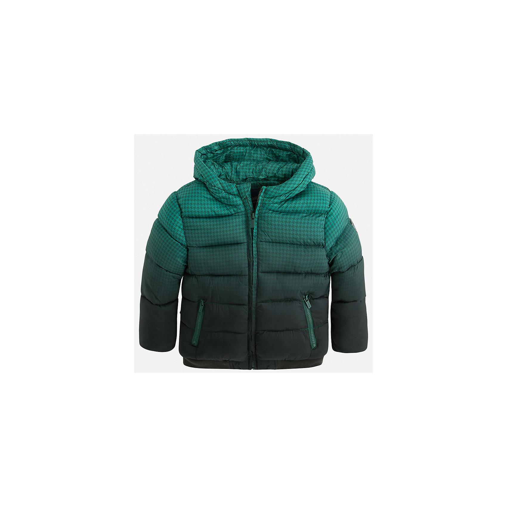 Куртка для мальчика MayoralВерхняя одежда<br>Стильная, теплая осенняя куртка для юного джентльмена!<br>Порадуйте своего модника хорошим подарком!<br><br>Дополнительная информация:<br><br>- Крой: прямой крой.<br>- Страна бренда: Испания.<br>- Состав: <br>Верхняя ткань: полиэстер 100%.<br>Подкладка: полиэстер 100%.<br>Наполнитель: полиэстер 100%.<br>- Цвет: зеленый.<br>- Уход: бережная стирка при 30 градусах.<br><br>Купить куртку для мальчика Mayoral можно в нашем магазине.<br><br>Ширина мм: 356<br>Глубина мм: 10<br>Высота мм: 245<br>Вес г: 519<br>Цвет: разноцветный<br>Возраст от месяцев: 108<br>Возраст до месяцев: 120<br>Пол: Мужской<br>Возраст: Детский<br>Размер: 134,98,122,104,110,116,128<br>SKU: 4822001