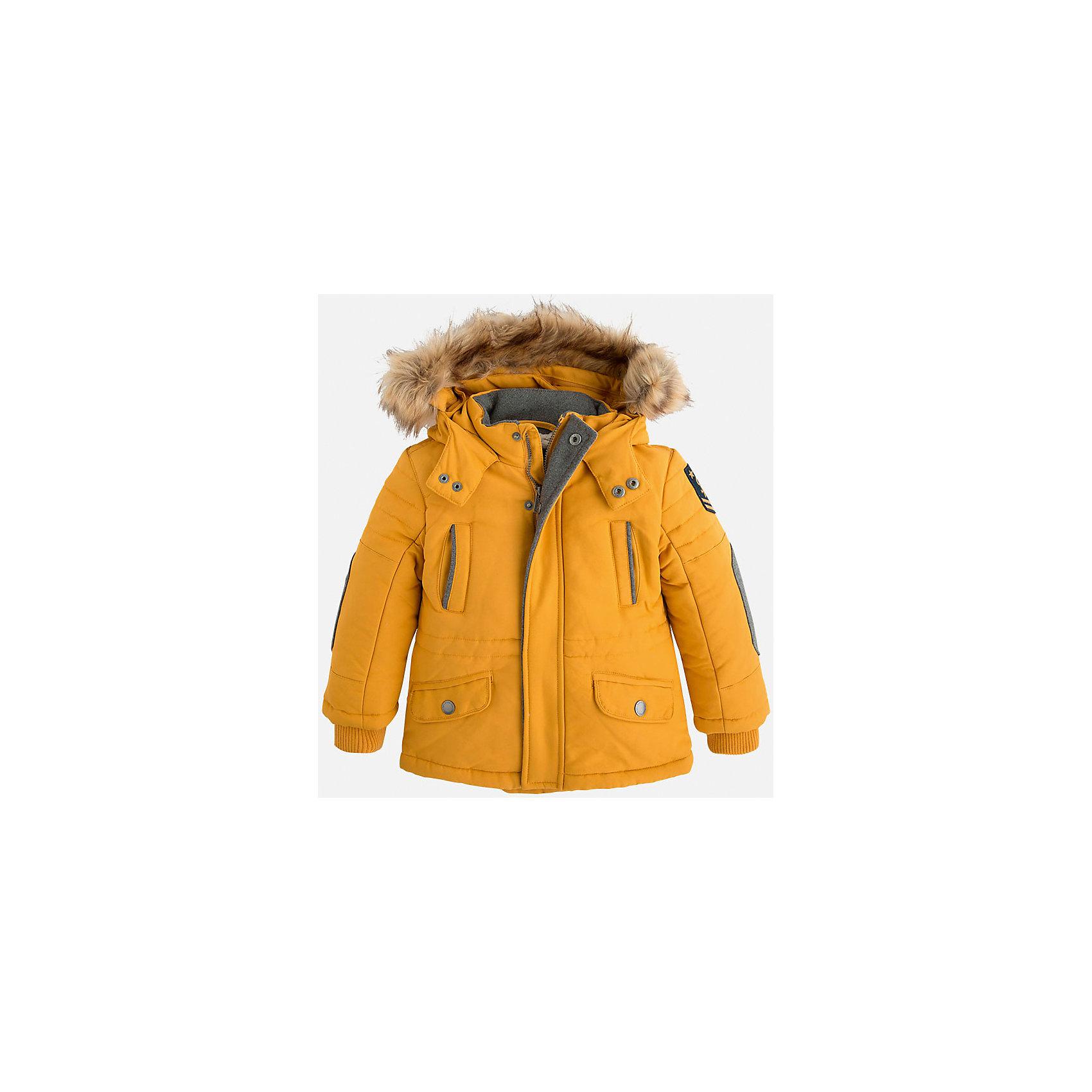 Куртка для мальчика MayoralСтильная осенняя куртка для Вашего модника!<br>Куртка практична и удобна в носке. <br>Порадуйте своего юного модника таким чудесным подарком!<br><br>Дополнительная информация:<br><br>- Крой: прямой крой.<br>- Страна бренда: Испания.<br>- Состав: <br>Верхняя ткань: полиэстер 100%.<br>Подкладка: полиэстер 100%.<br>Наполнитель: полиэстер 100%.<br>- Цвет: желтый.<br>- Уход: бережная стирка при 30 градусах.<br><br>Купить куртку для мальчика Mayoral можно в нашем магазине.<br><br>Ширина мм: 356<br>Глубина мм: 10<br>Высота мм: 245<br>Вес г: 519<br>Цвет: бежевый<br>Возраст от месяцев: 96<br>Возраст до месяцев: 108<br>Пол: Мужской<br>Возраст: Детский<br>Размер: 128,92,98,134,122,116,110,104<br>SKU: 4822017