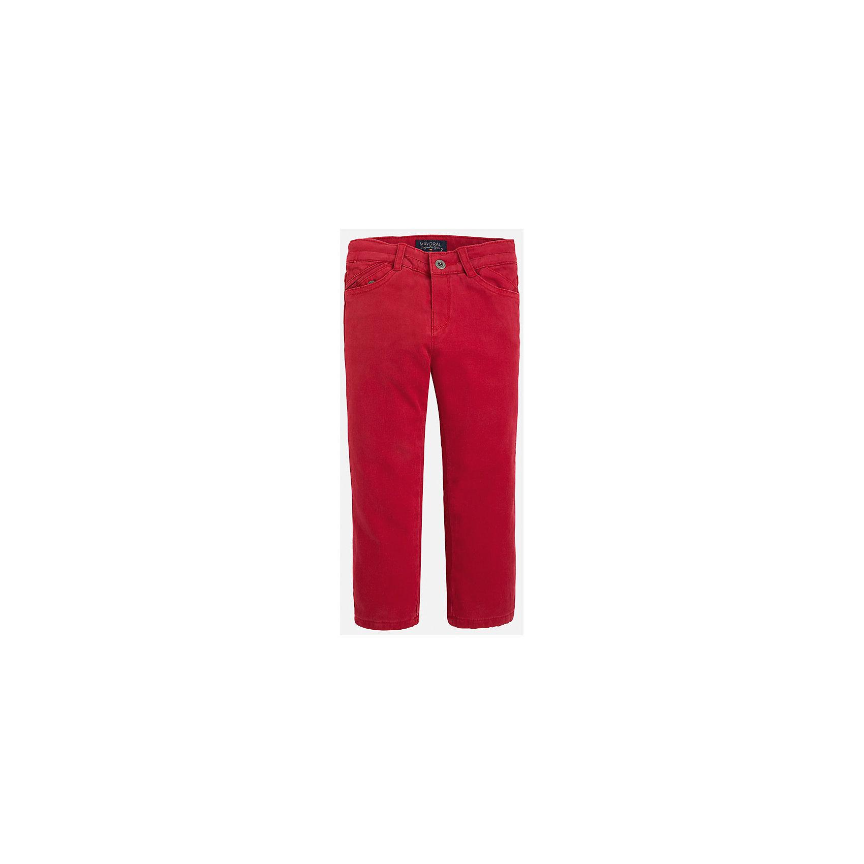 Брюки для мальчика MayoralБрюки<br>Универсальные брюки всегда должны быть в гардеробе юного мужчины!<br>У брюк классическая посадка и прямой крой, так же они долговечны и очень удобны в носке.<br><br>Дополнительная информация:<br><br>- Крой: прямой крой.<br>- Страна бренда: Испания.<br>- Состав: хлопок 97%, эластан 3%.<br>- Подкладка: хлопок 100%.<br>- Цвет: вишневый.<br>- Уход: бережная стирка при 30 градусах.<br><br>Купить брюки для мальчика Mayoral можно в нашем магазине.<br><br>Ширина мм: 215<br>Глубина мм: 88<br>Высота мм: 191<br>Вес г: 336<br>Цвет: бордовый<br>Возраст от месяцев: 72<br>Возраст до месяцев: 84<br>Пол: Мужской<br>Возраст: Детский<br>Размер: 122,116,110,128,134,98,104<br>SKU: 4826413