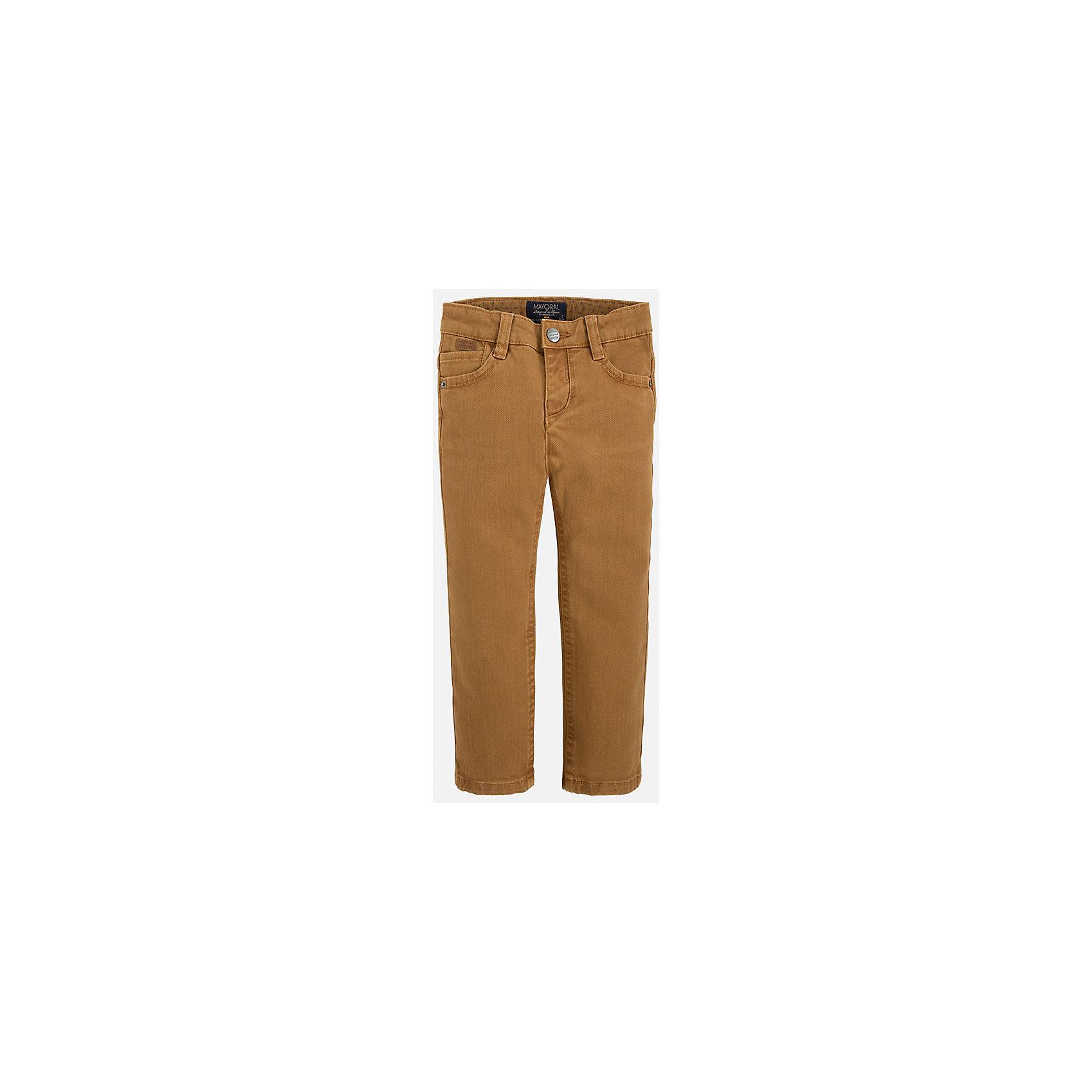 Брюки для мальчика MayoralБрюки<br>Стильные брюки для мальчика кофейного цвета.<br>У брюк классическая посадка, удобный крой и приятная хлопковая ткань.<br><br>Дополнительная информация:<br><br>- Крой: прямой крой.<br>- Страна бренда: Испания.<br>- Состав: хлопок 98%, эластан 2%.<br>- Цвет: кофейный.<br>- Уход: бережная стирка при 30 градусах.<br><br>Купить брюки для мальчика Mayoral можно в нашем магазине.<br><br>Ширина мм: 215<br>Глубина мм: 88<br>Высота мм: 191<br>Вес г: 336<br>Цвет: бежевый<br>Возраст от месяцев: 18<br>Возраст до месяцев: 24<br>Пол: Мужской<br>Возраст: Детский<br>Размер: 92,110,98,104,116,122,128,134<br>SKU: 4826447