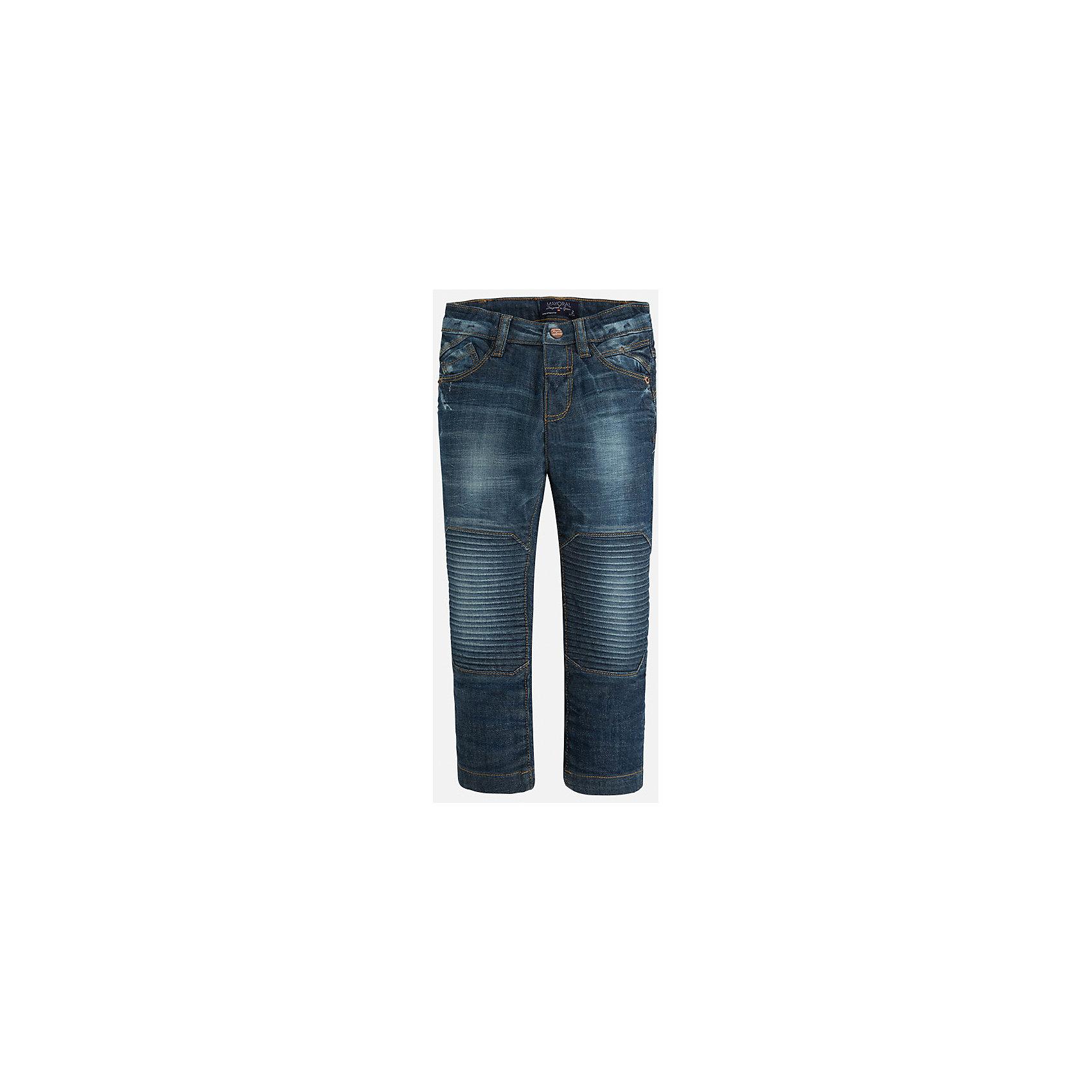 Джинсы для мальчика MayoralДжинсы<br>Стильные джинсы с специальной вставкой на коленях сразу понравятся Вашему ребенку!<br><br>Дополнительная информация:<br><br>- Крой: прямой крой, слегка заужены к низу.<br>- Страна бренда: Испания.<br>- Состав: хлопок 98%, эластан 2%.<br>- Цвет: синий.<br>- Уход: бережная стирка при 30 градусах.<br><br>Купить брюки для мальчика Mayoral можно в нашем магазине.<br><br>Ширина мм: 215<br>Глубина мм: 88<br>Высота мм: 191<br>Вес г: 336<br>Цвет: синий<br>Возраст от месяцев: 60<br>Возраст до месяцев: 72<br>Пол: Мужской<br>Возраст: Детский<br>Размер: 116,122,128,134,98,104,110<br>SKU: 4826456